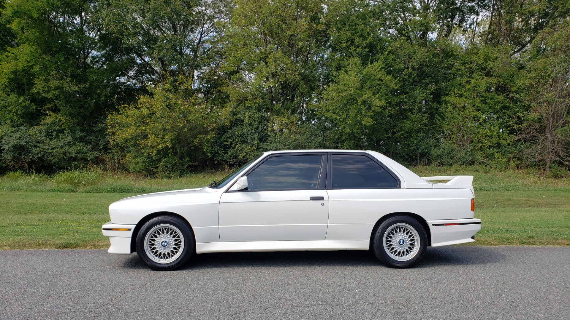 Used 1989 BMW M3 COUPE 2DR / 5-SPEED MAN / LOW MILES / SUPER CLEAN for sale Sold at Formula Imports in Charlotte NC 28227 19