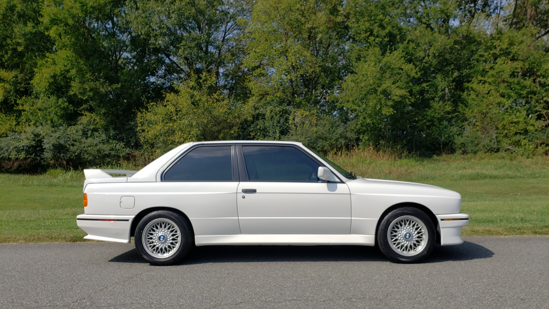 Used 1989 BMW M3 COUPE 2DR / 5-SPEED MAN / LOW MILES / SUPER CLEAN for sale Sold at Formula Imports in Charlotte NC 28227 27