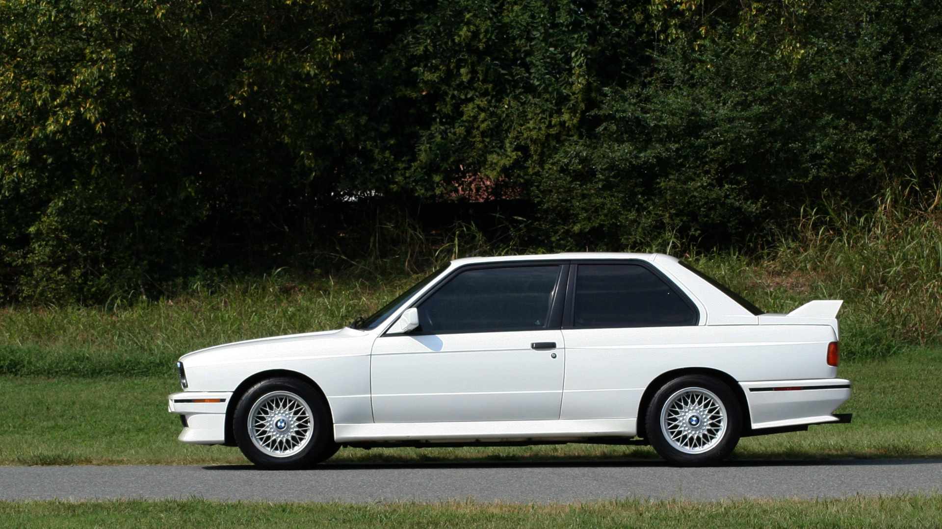 Used 1989 BMW M3 COUPE 2DR / 5-SPEED MAN / LOW MILES / SUPER CLEAN for sale Sold at Formula Imports in Charlotte NC 28227 3