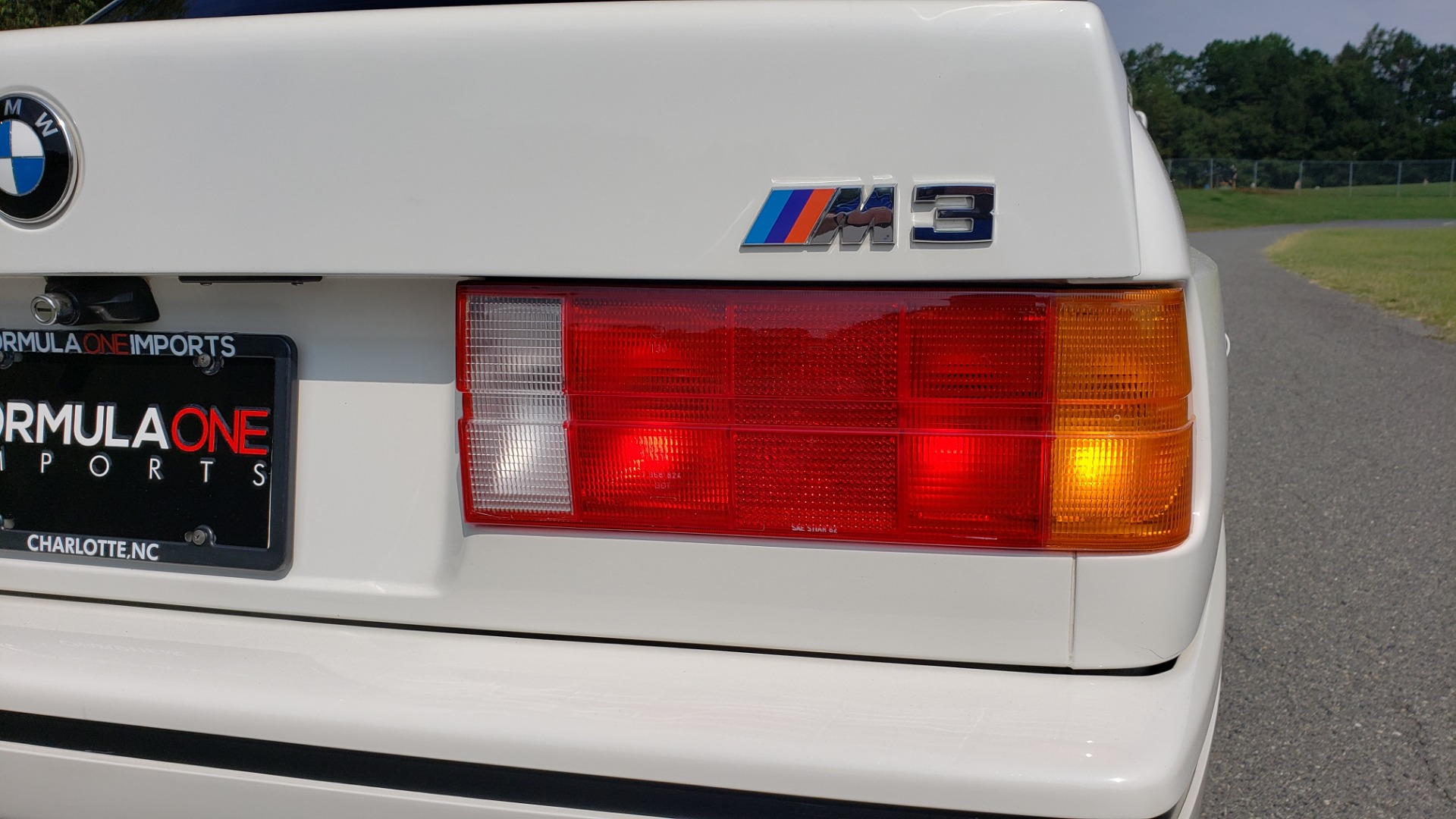 Used 1989 BMW M3 COUPE 2DR / 5-SPEED MAN / LOW MILES / SUPER CLEAN for sale Sold at Formula Imports in Charlotte NC 28227 31