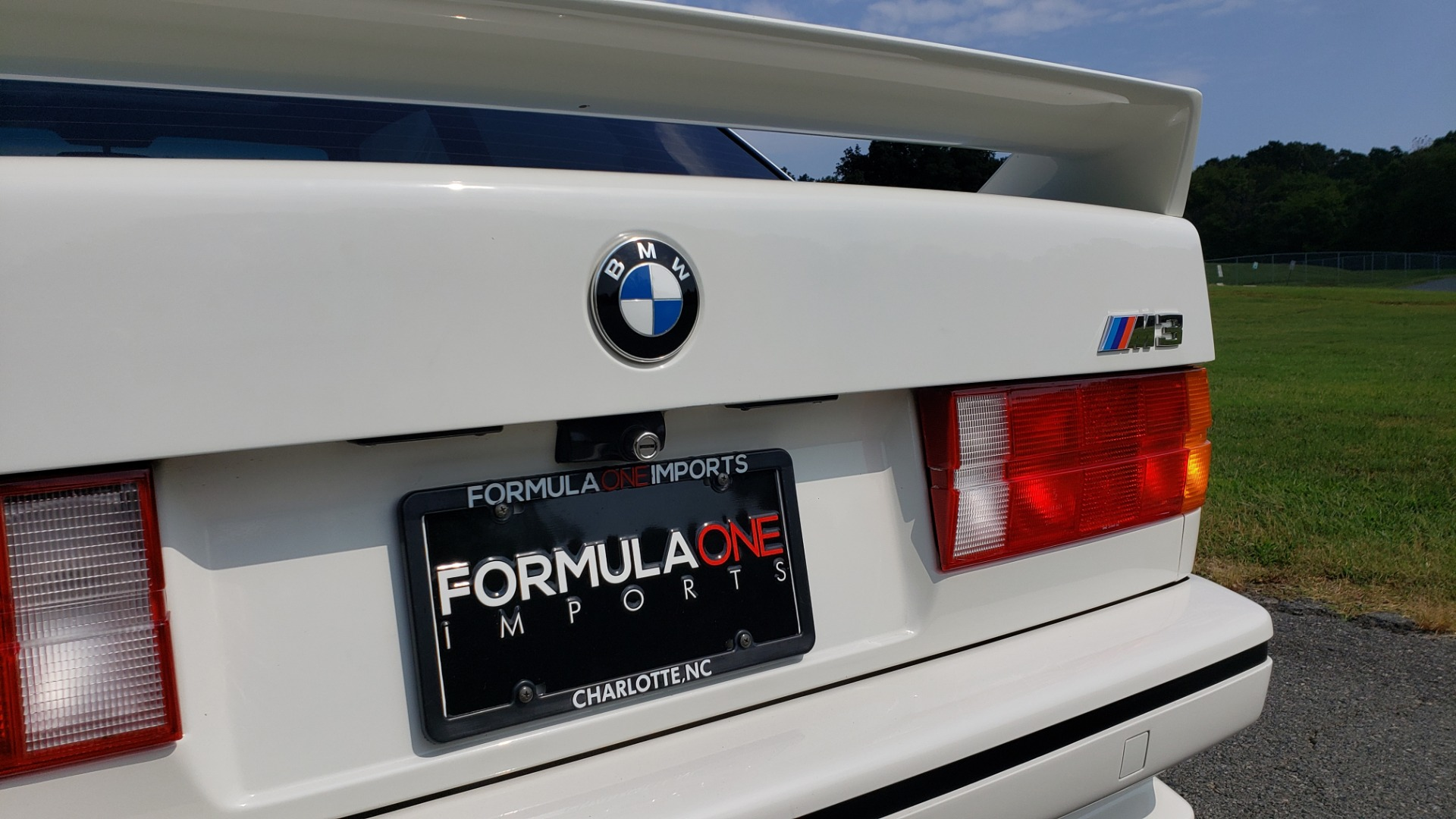 Used 1989 BMW M3 COUPE 2DR / 5-SPEED MAN / LOW MILES / SUPER CLEAN for sale Sold at Formula Imports in Charlotte NC 28227 32