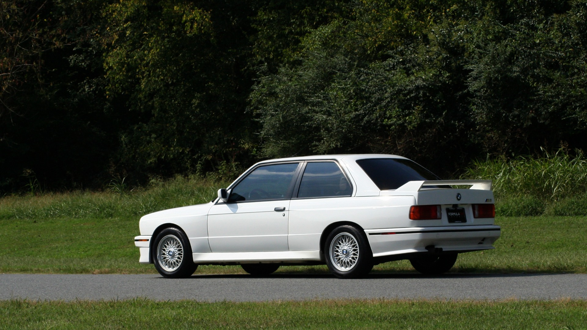 Used 1989 BMW M3 COUPE 2DR / 5-SPEED MAN / LOW MILES / SUPER CLEAN for sale Sold at Formula Imports in Charlotte NC 28227 4