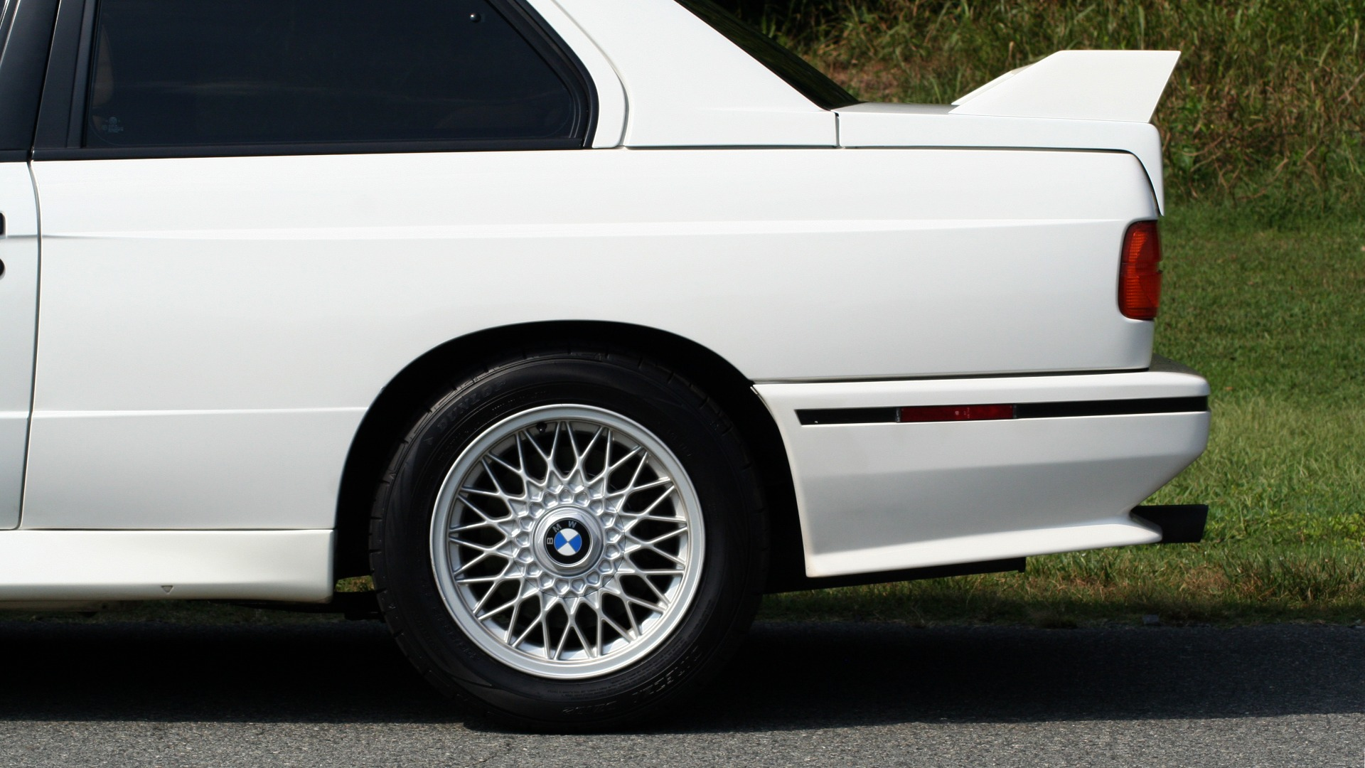 Used 1989 BMW M3 COUPE 2DR / 5-SPEED MAN / LOW MILES / SUPER CLEAN for sale Sold at Formula Imports in Charlotte NC 28227 6