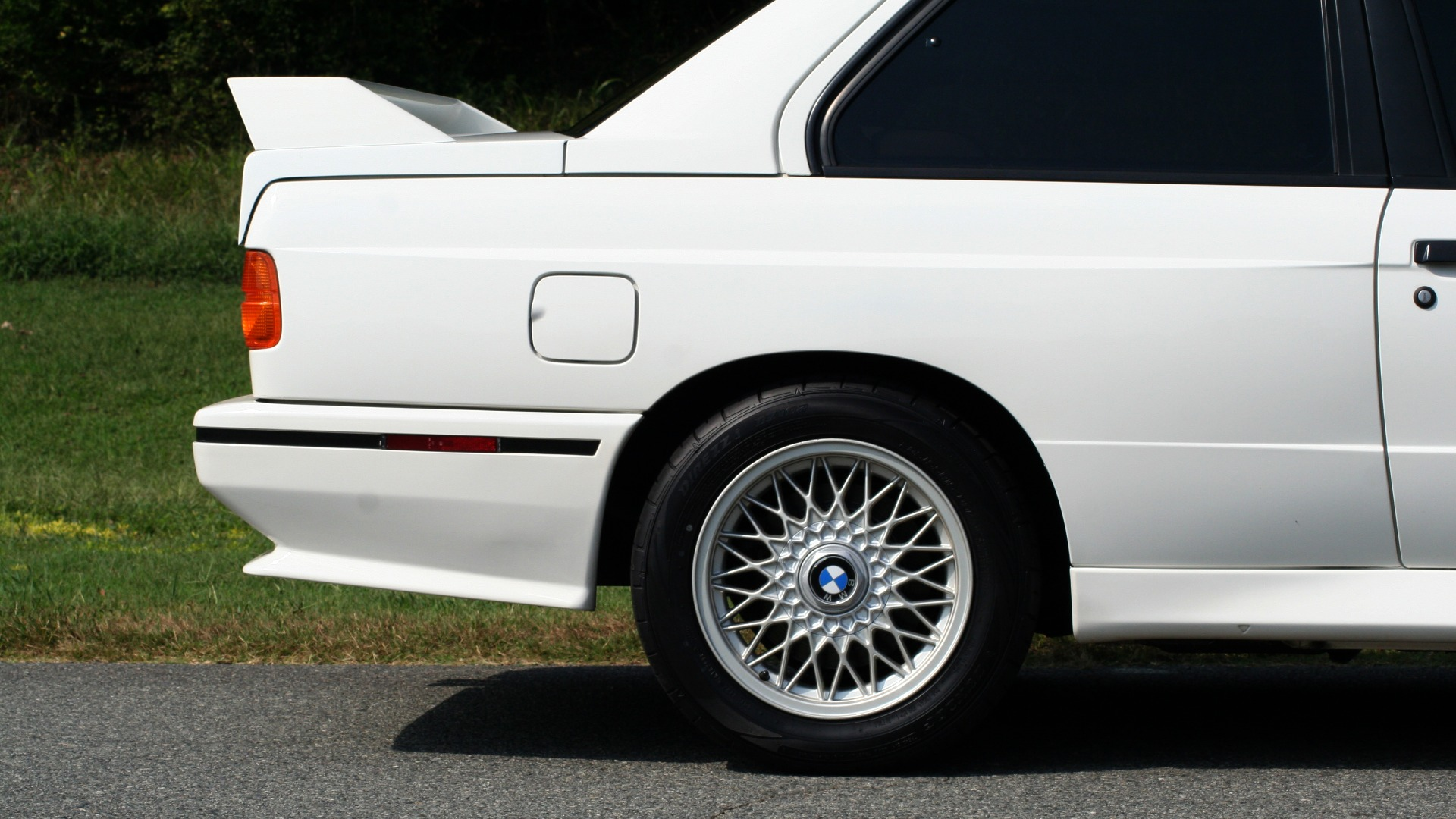Used 1989 BMW M3 COUPE 2DR / 5-SPEED MAN / LOW MILES / SUPER CLEAN for sale Sold at Formula Imports in Charlotte NC 28227 8