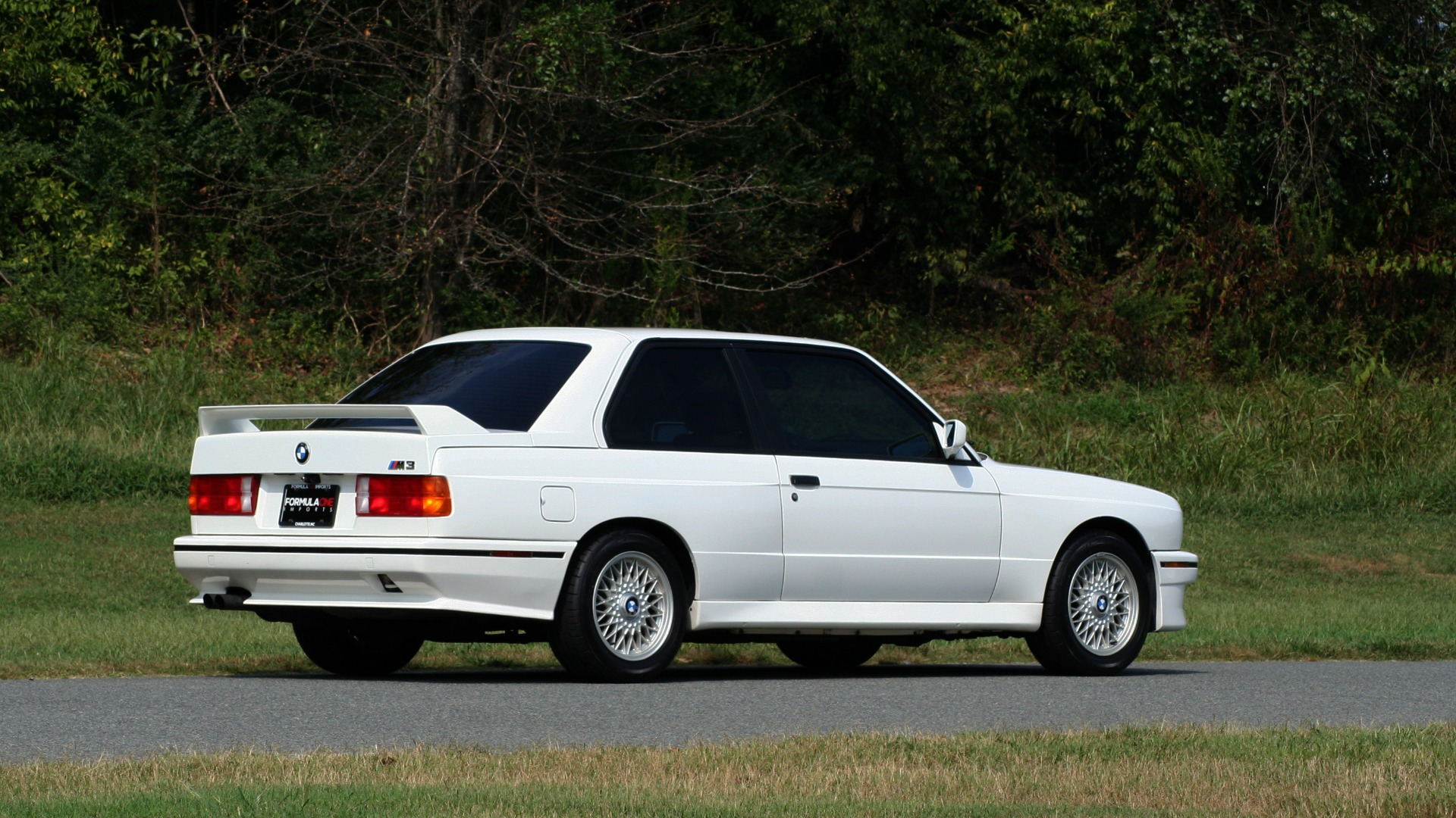 Used 1989 BMW M3 COUPE 2DR / 5-SPEED MAN / LOW MILES / SUPER CLEAN for sale Sold at Formula Imports in Charlotte NC 28227 9