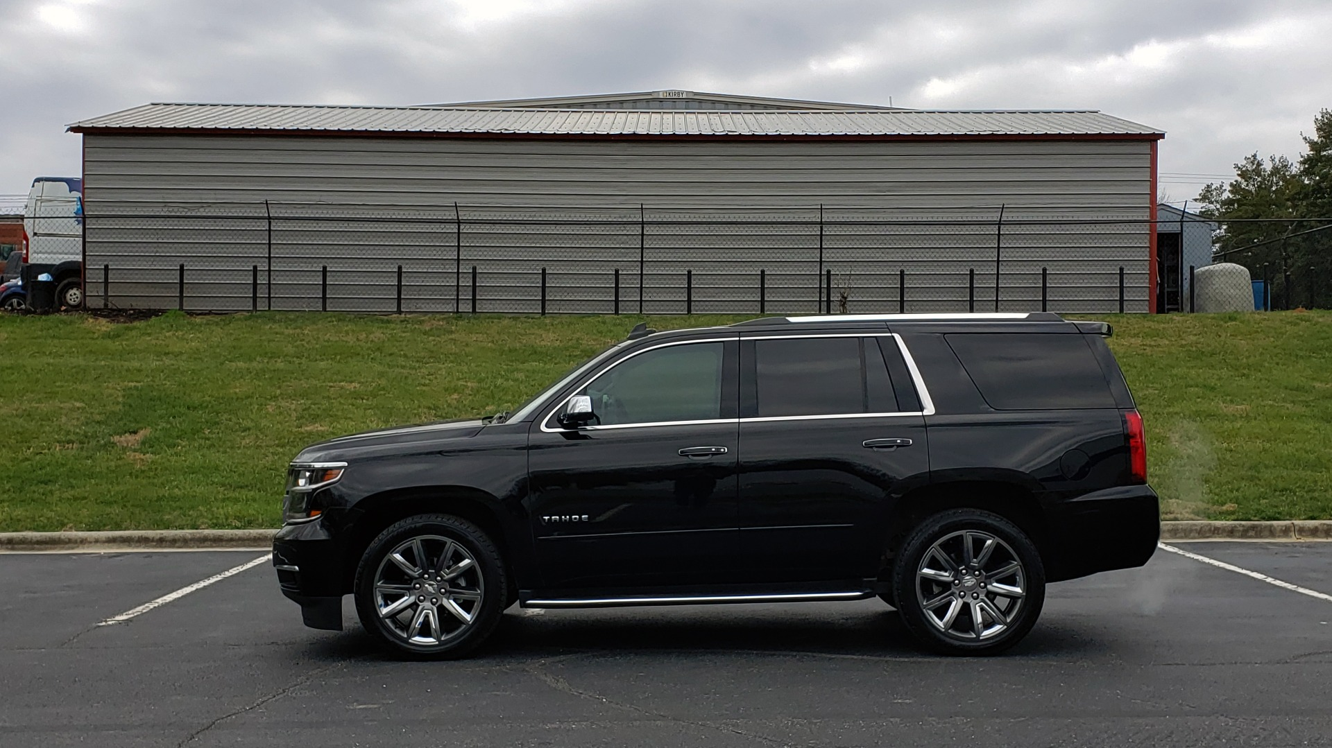 Used 2017 Chevrolet TAHOE PREMIER 4WD / NAV / SNRF / ENTERT / REARVIEW / 3-ROW for sale Sold at Formula Imports in Charlotte NC 28227 2