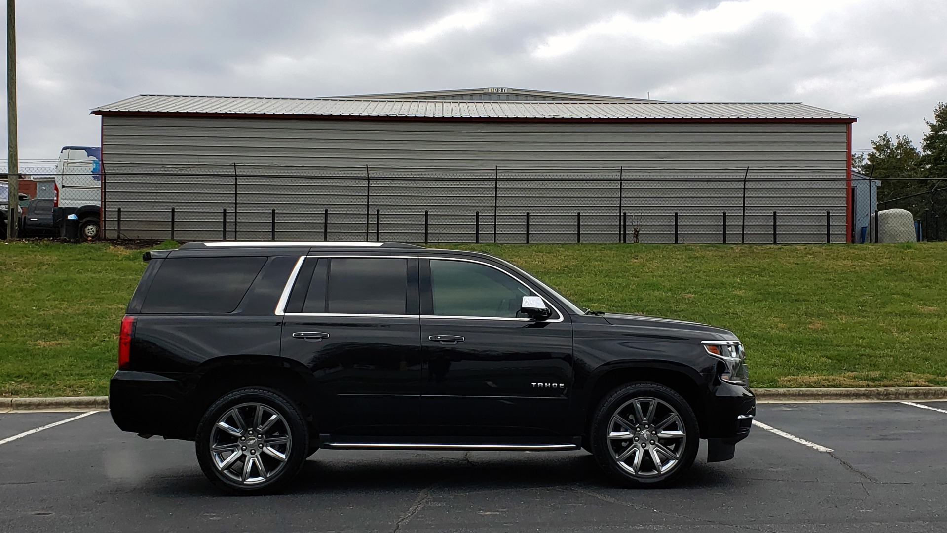 Used 2017 Chevrolet TAHOE PREMIER 4WD / NAV / SNRF / ENTERT / REARVIEW / 3-ROW for sale Sold at Formula Imports in Charlotte NC 28227 5