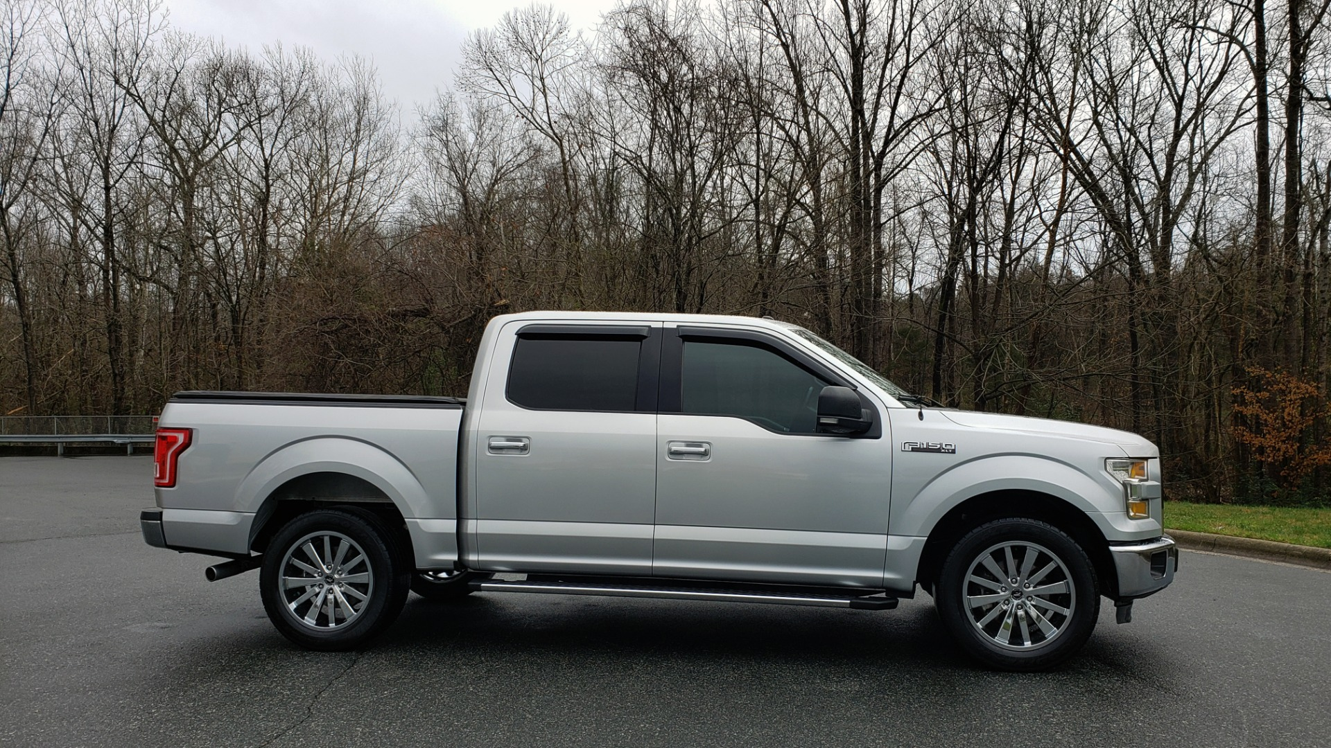 Used 2015 Ford F-150 XLT 4X2 SUPERCREW / 5.0L V8 / SYNC / REARVIEW for sale Sold at Formula Imports in Charlotte NC 28227 5