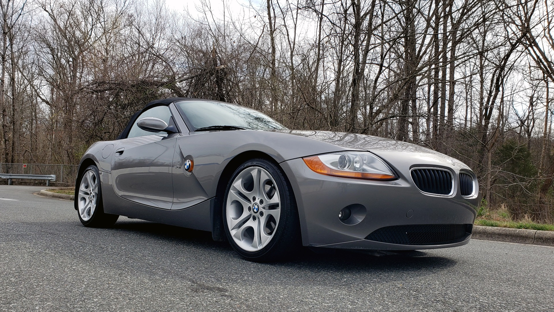 Used 2003 BMW Z4 3.0i ROADSTER / 6-SPD MAN / PREMIUM PKG / SPORT PKG / HTD STS for sale Sold at Formula Imports in Charlotte NC 28227 10