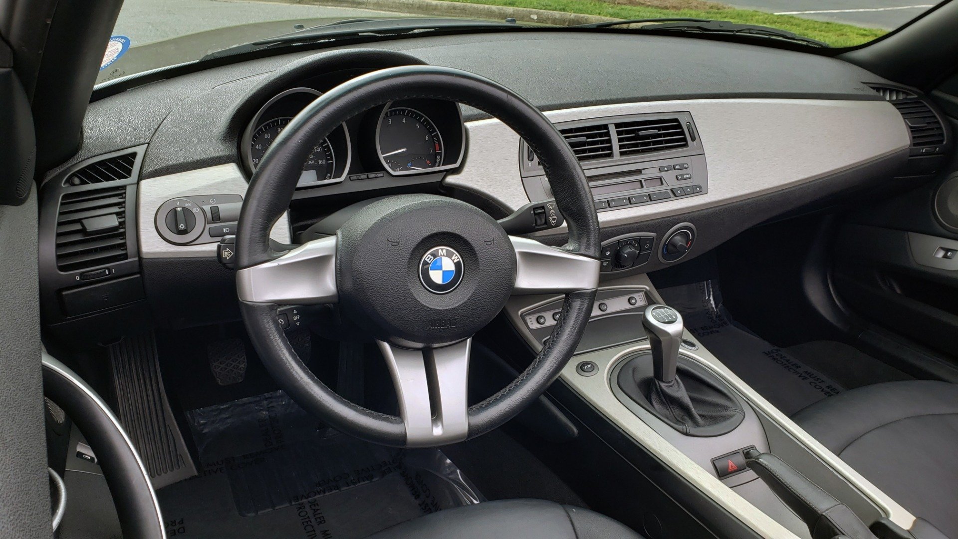 Used 2003 BMW Z4 3.0i ROADSTER / 6-SPD MAN / PREMIUM PKG / SPORT PKG / HTD STS for sale Sold at Formula Imports in Charlotte NC 28227 33