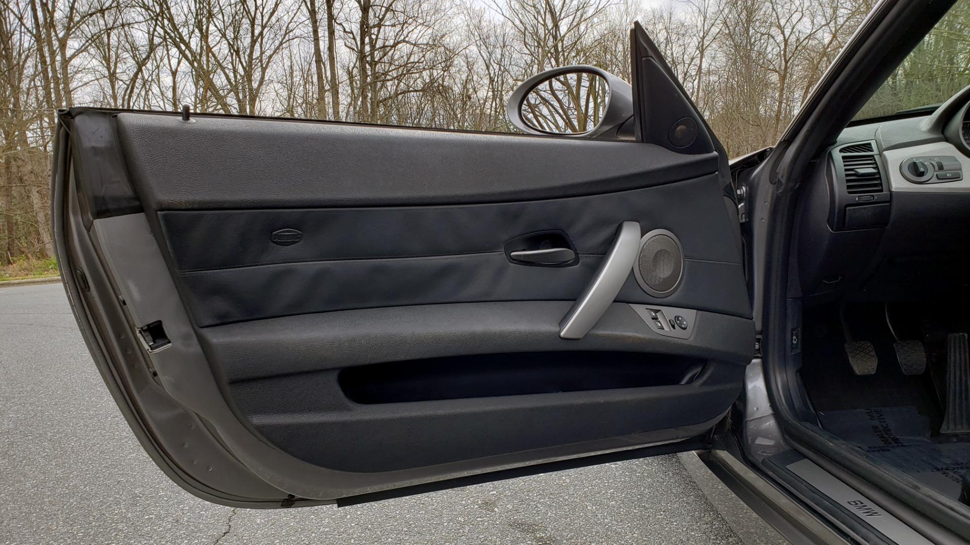 Used 2003 BMW Z4 3.0i ROADSTER / 6-SPD MAN / PREMIUM PKG / SPORT PKG / HTD STS for sale Sold at Formula Imports in Charlotte NC 28227 37