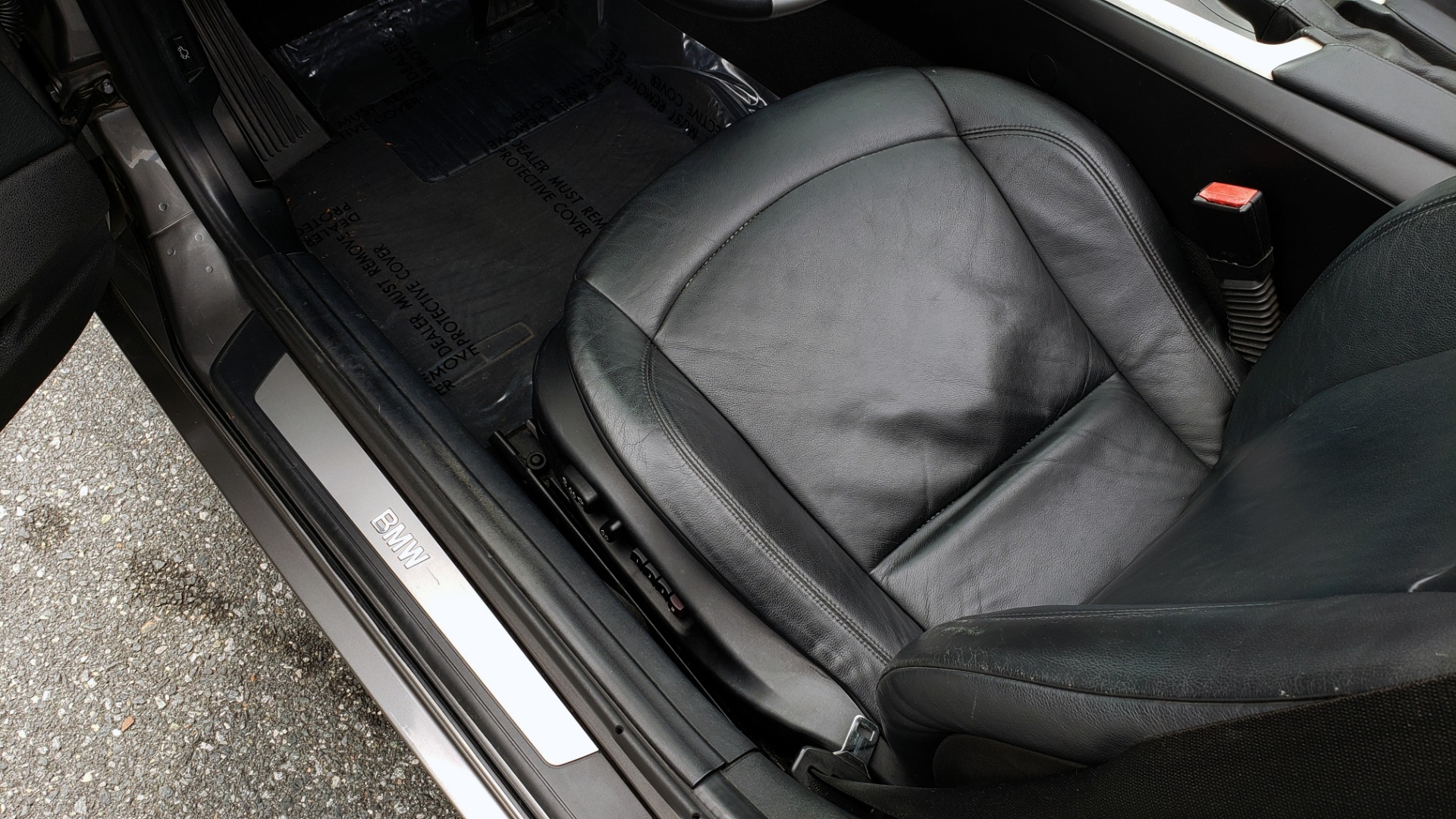 Used 2003 BMW Z4 3.0i ROADSTER / 6-SPD MAN / PREMIUM PKG / SPORT PKG / HTD STS for sale Sold at Formula Imports in Charlotte NC 28227 39