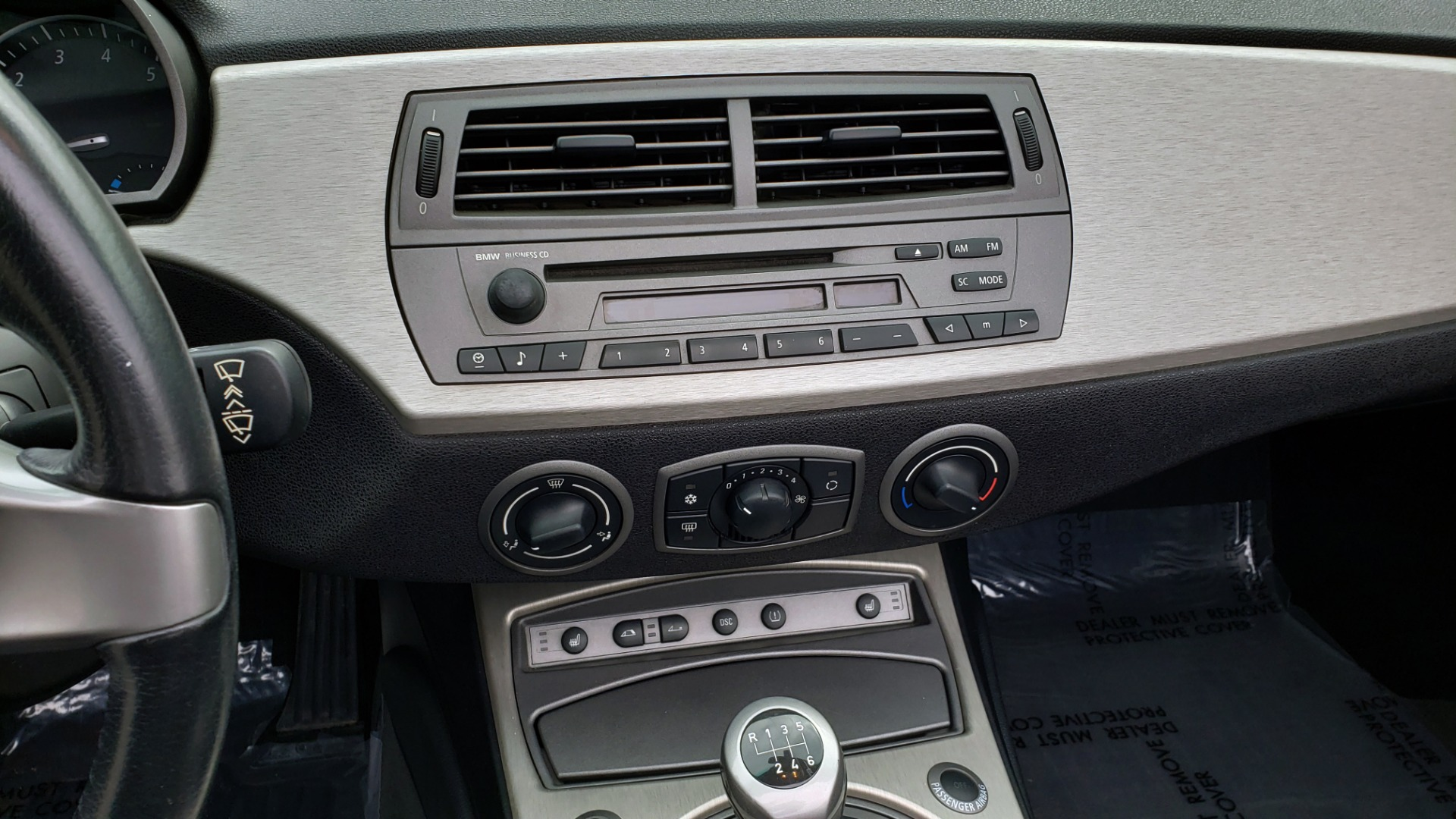 Used 2003 BMW Z4 3.0i ROADSTER / 6-SPD MAN / PREMIUM PKG / SPORT PKG / HTD STS for sale Sold at Formula Imports in Charlotte NC 28227 43