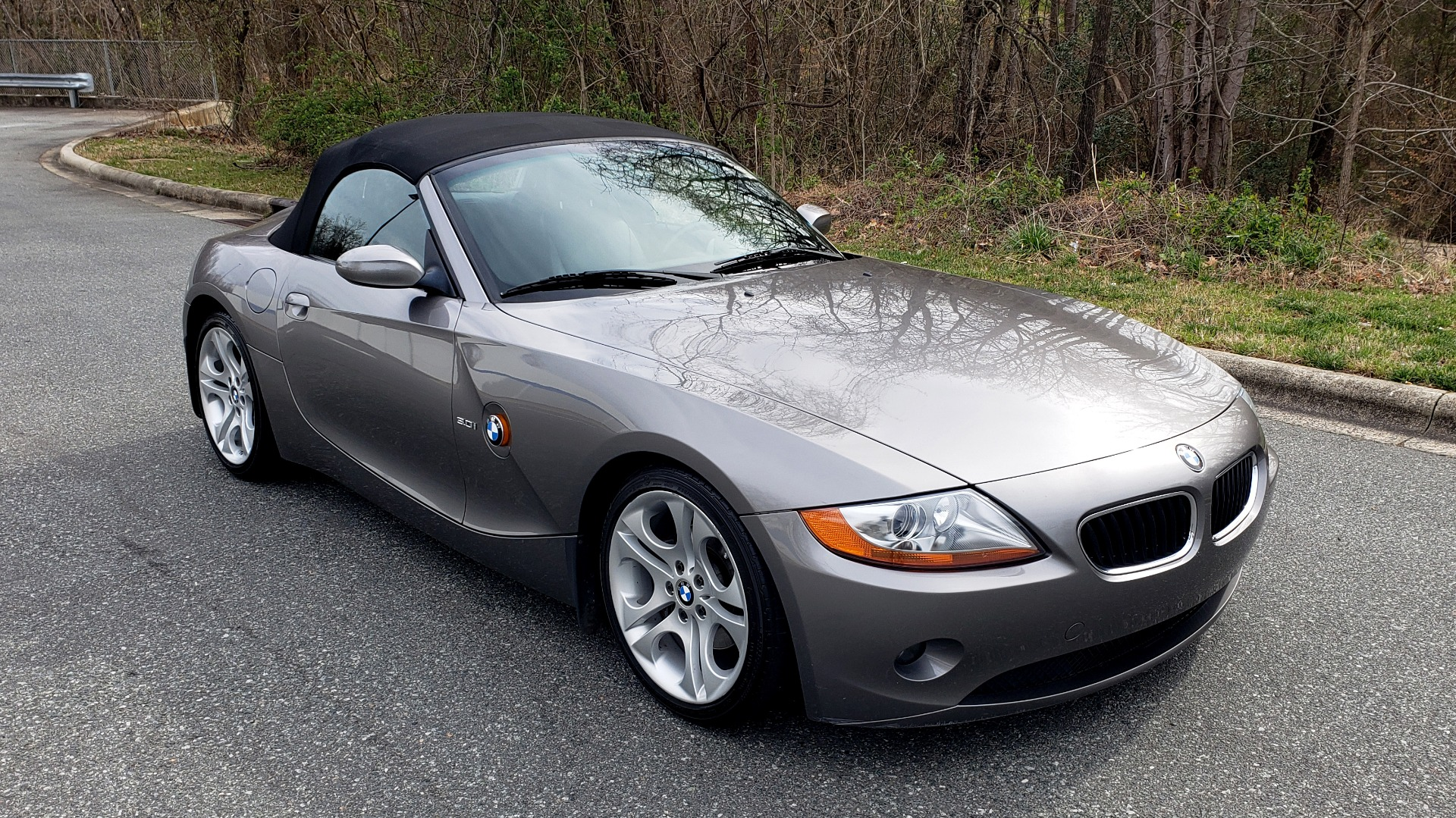 Used 2003 BMW Z4 3.0i ROADSTER / 6-SPD MAN / PREMIUM PKG / SPORT PKG / HTD STS for sale Sold at Formula Imports in Charlotte NC 28227 9