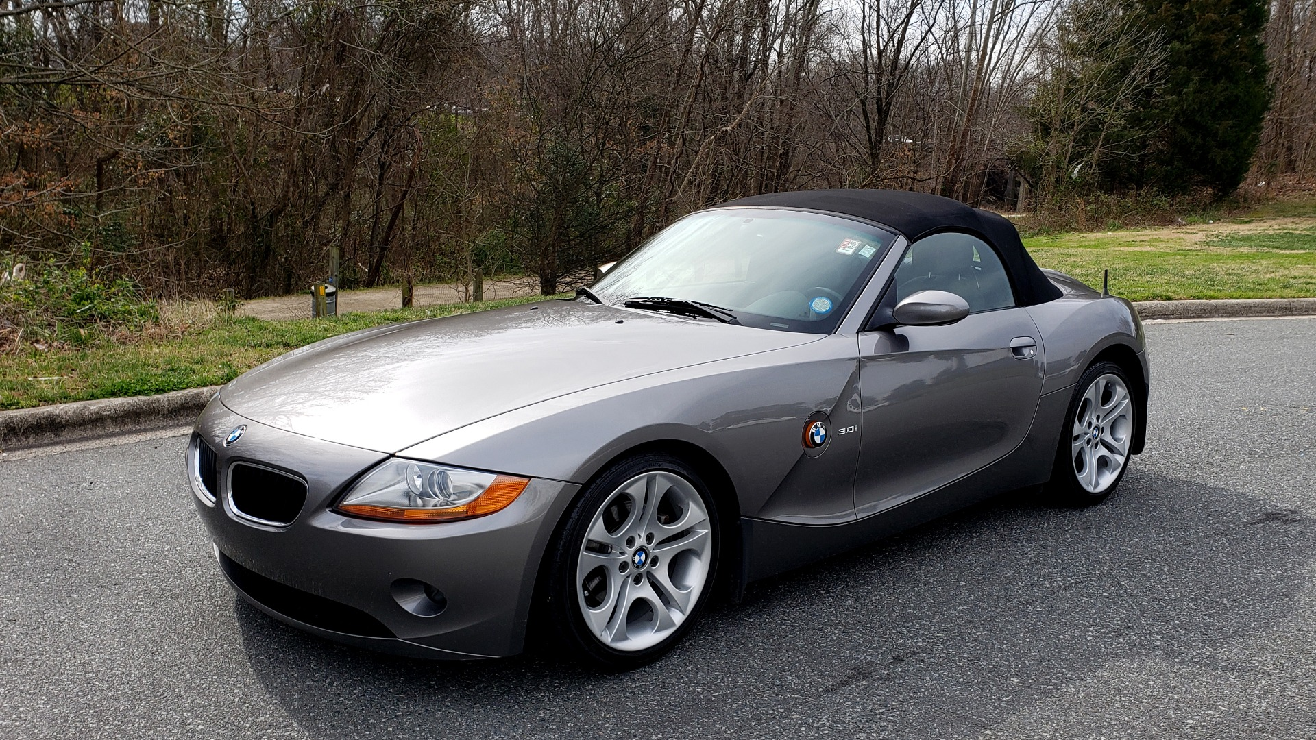 Used 2003 BMW Z4 3.0i ROADSTER / 6-SPD MAN / PREMIUM PKG / SPORT PKG / HTD STS for sale Sold at Formula Imports in Charlotte NC 28227 1