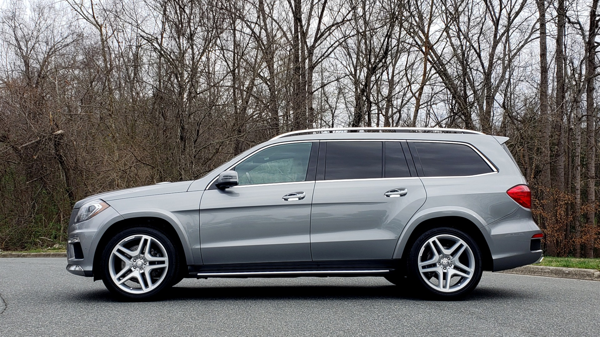Used 2016 Mercedes-Benz GL 550 4MATIC / NAV / DRVR ASST / DUAL-ROOF / REARVIEW for sale Sold at Formula Imports in Charlotte NC 28227 2