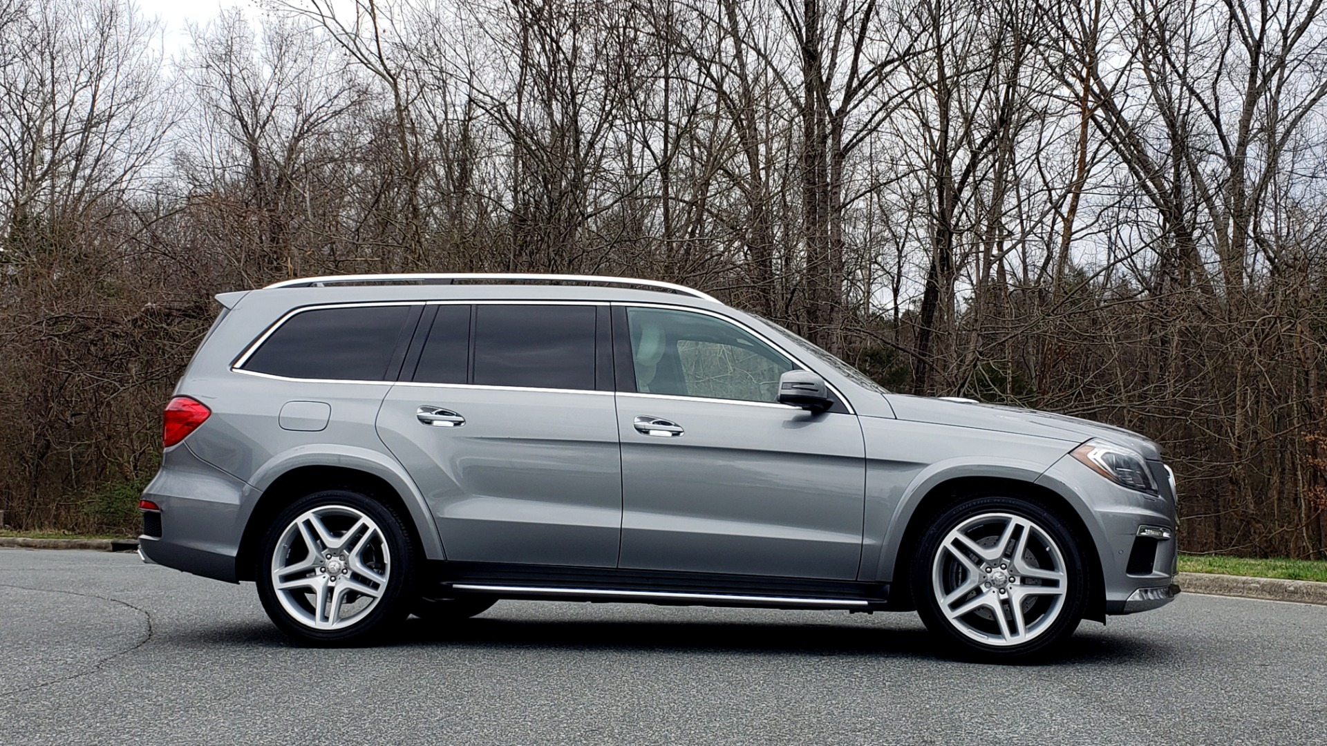 Used 2016 Mercedes-Benz GL 550 4MATIC / NAV / DRVR ASST / DUAL-ROOF / REARVIEW for sale Sold at Formula Imports in Charlotte NC 28227 5