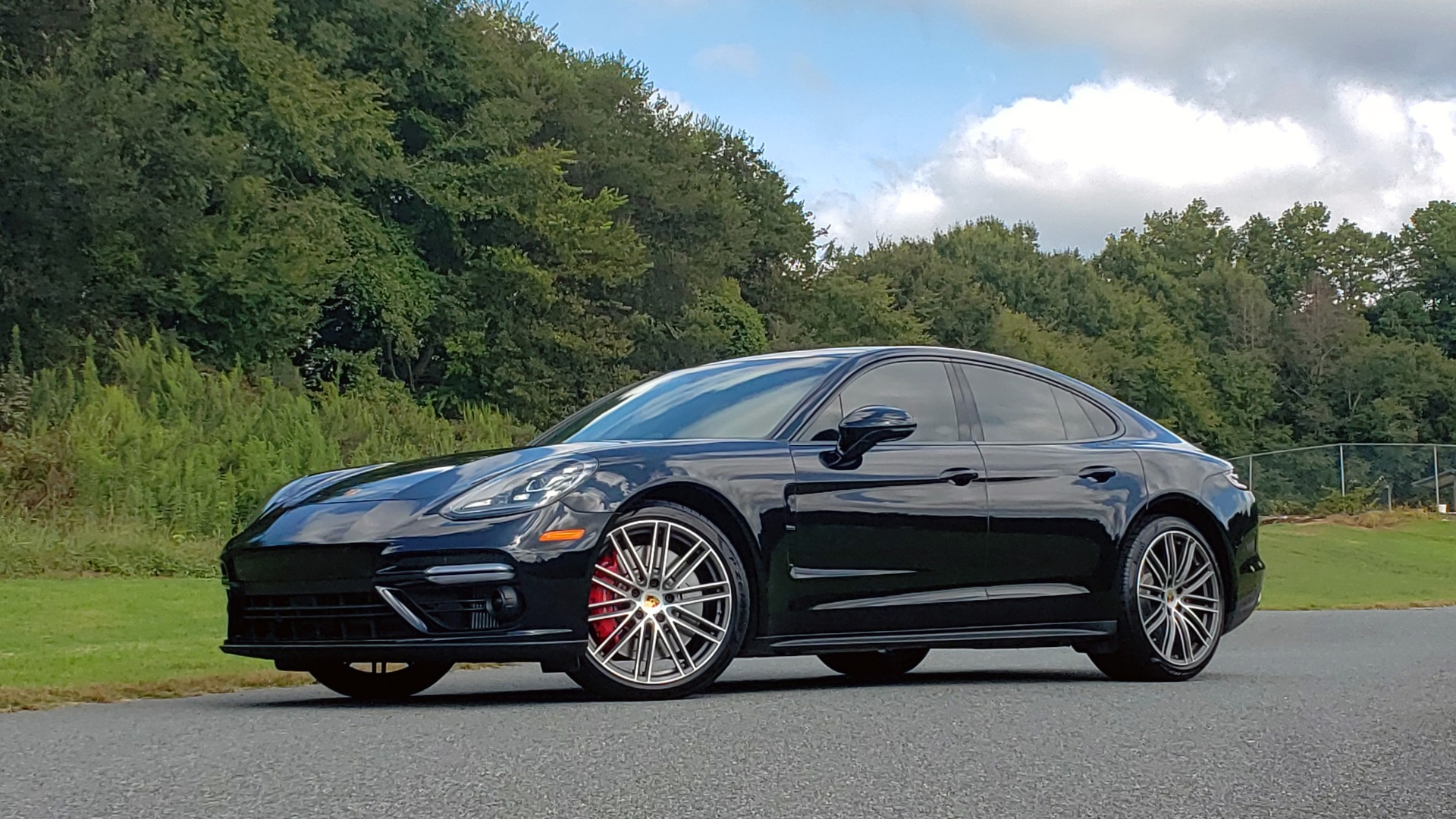 Used 2017 Porsche PANAMERA TURBO AWD / 4.0L V8 / AUTO / NAV / BOSE / REARVIEW / 21IN WHEELS for sale $98,995 at Formula Imports in Charlotte NC 28227 2