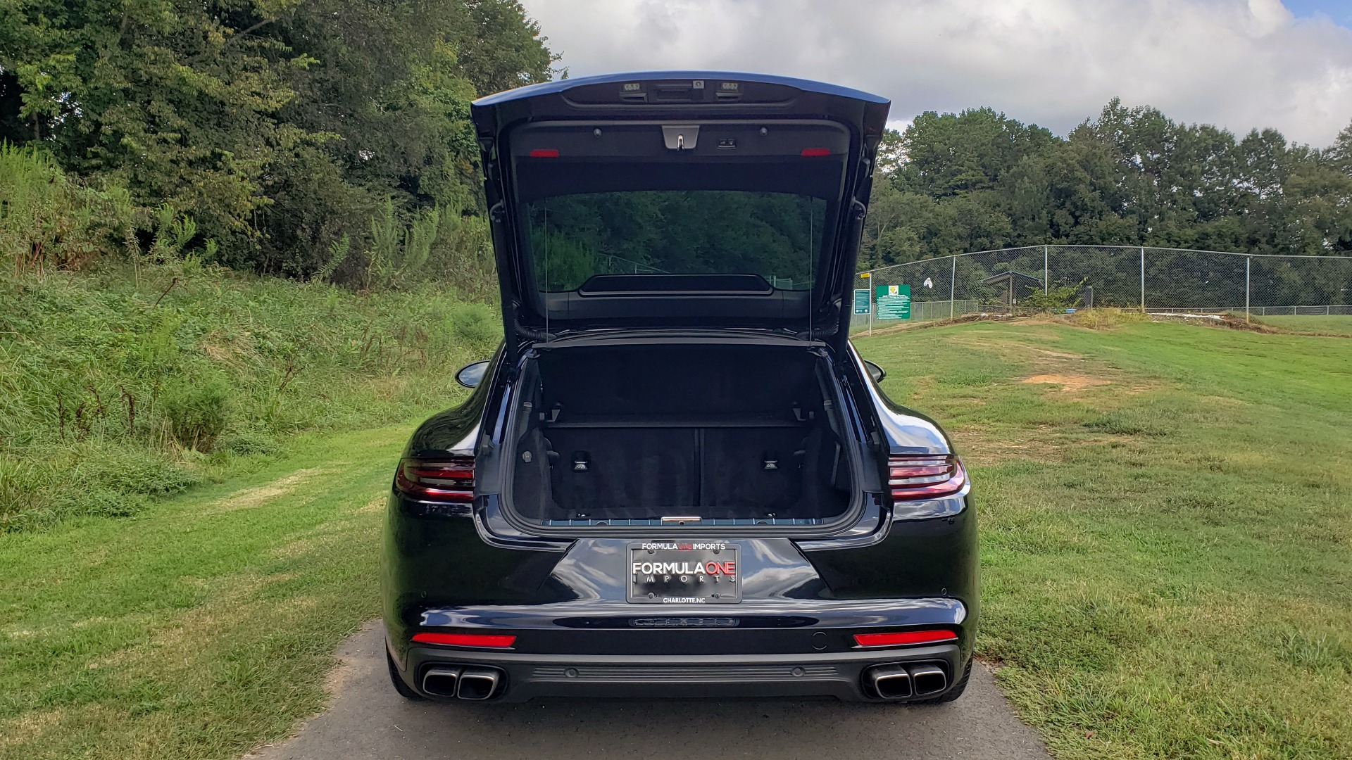 Used 2017 Porsche PANAMERA TURBO AWD / 4.0L V8 / AUTO / NAV / BOSE / REARVIEW / 21IN WHEELS for sale $98,995 at Formula Imports in Charlotte NC 28227 21