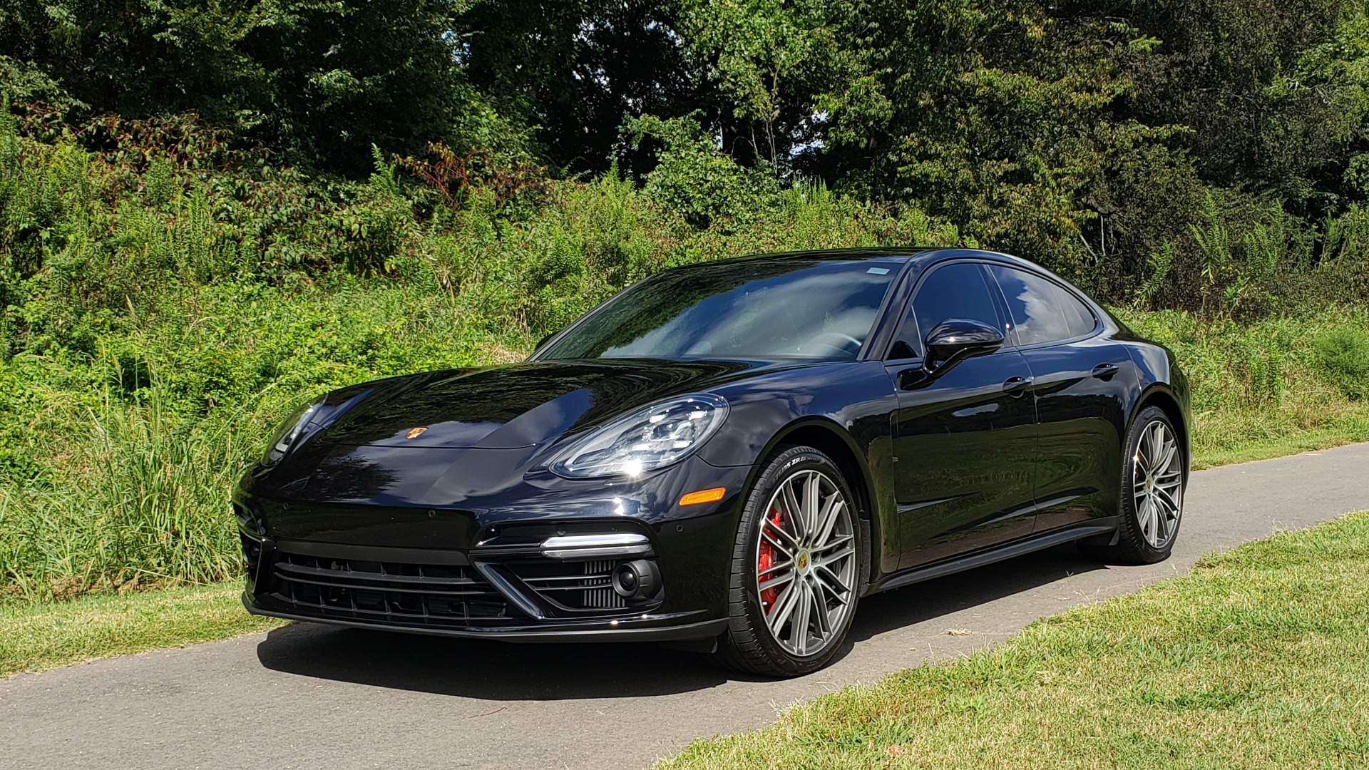 Used 2017 Porsche PANAMERA TURBO AWD / 4.0L V8 / AUTO / NAV / BOSE / REARVIEW / 21IN WHEELS for sale $98,995 at Formula Imports in Charlotte NC 28227 3