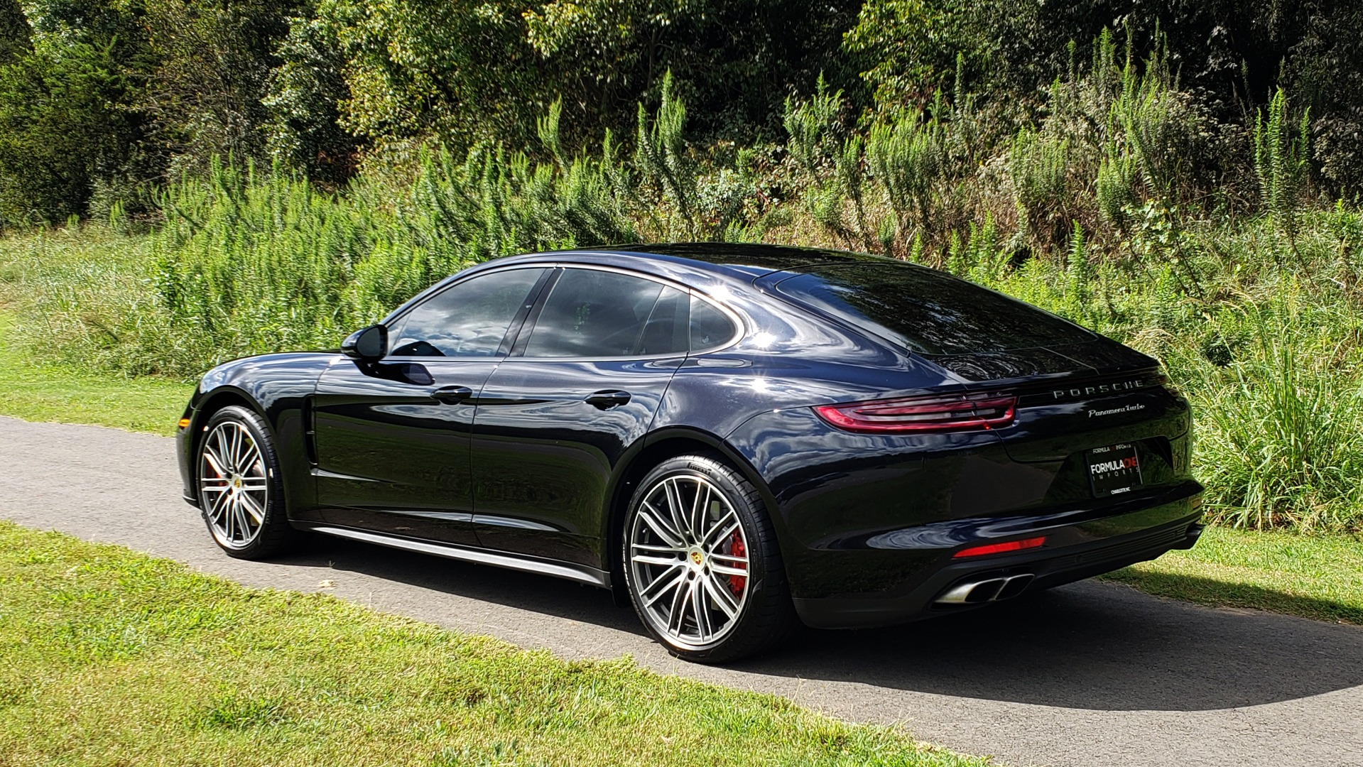 Used 2017 Porsche PANAMERA TURBO AWD / 4.0L V8 / AUTO / NAV / BOSE / REARVIEW / 21IN WHEELS for sale $98,995 at Formula Imports in Charlotte NC 28227 5