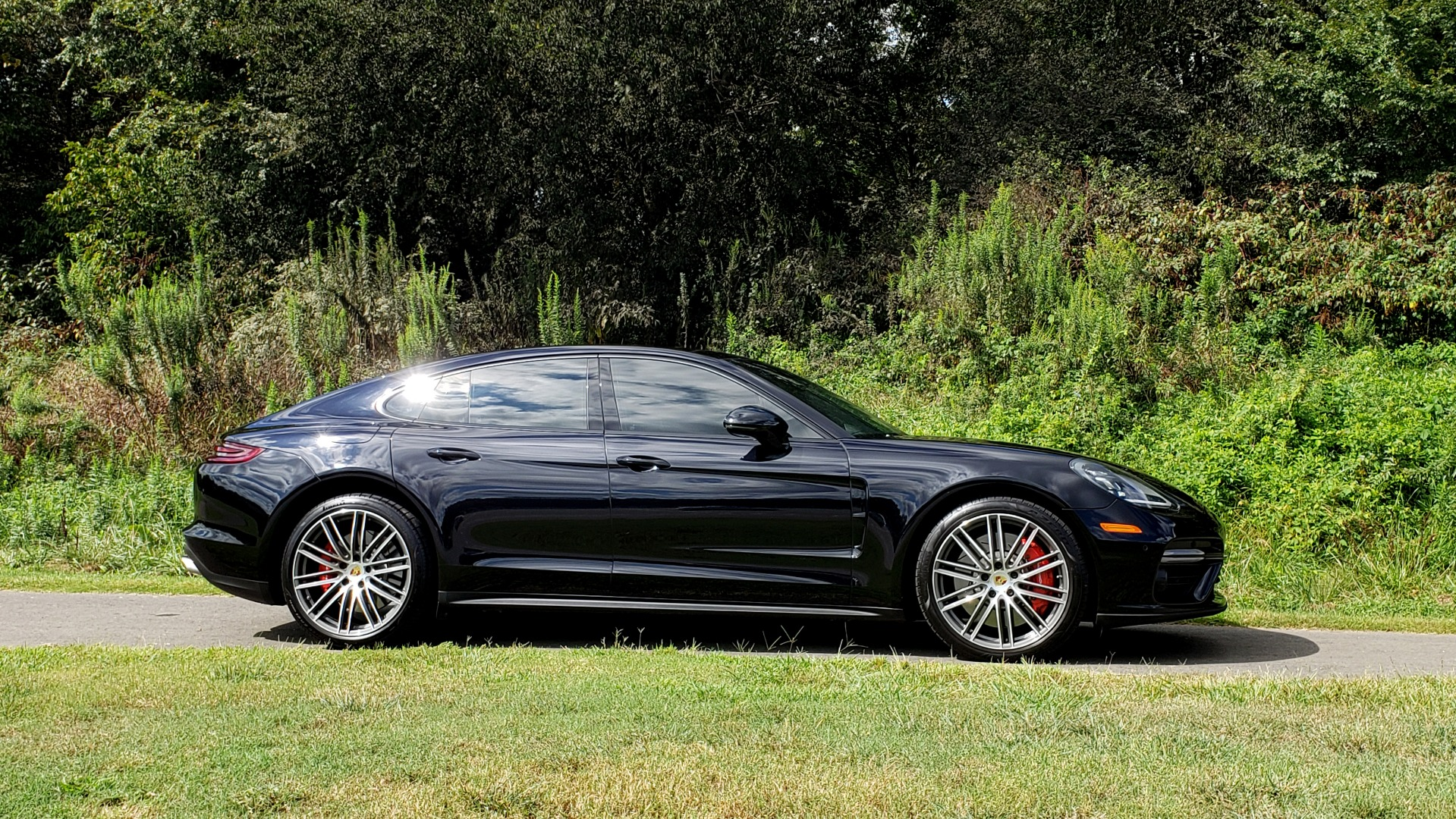 Used 2017 Porsche PANAMERA TURBO AWD / 4.0L V8 / AUTO / NAV / BOSE / REARVIEW / 21IN WHEELS for sale $98,995 at Formula Imports in Charlotte NC 28227 7
