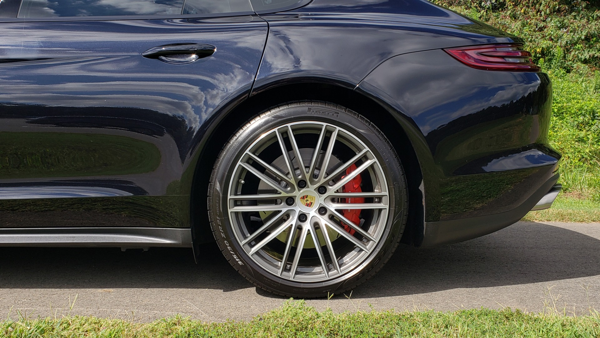 Used 2017 Porsche PANAMERA TURBO AWD / 4.0L V8 / AUTO / NAV / BOSE / REARVIEW / 21IN WHEELS for sale $98,995 at Formula Imports in Charlotte NC 28227 85