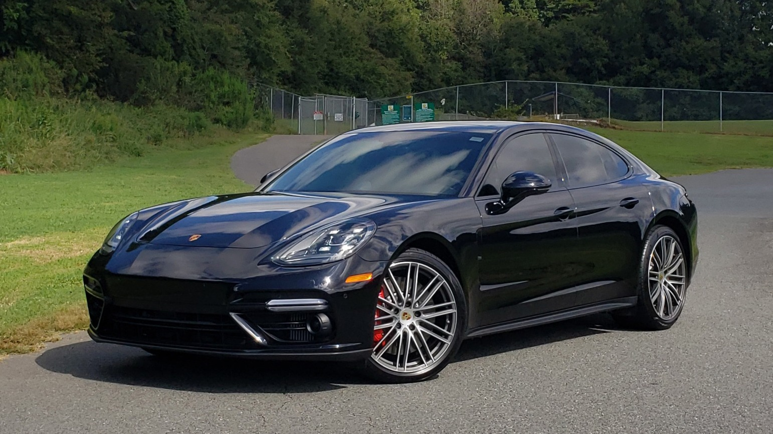 Used 2017 Porsche PANAMERA TURBO AWD / 4.0L V8 / AUTO / NAV / BOSE / REARVIEW / 21IN WHEELS for sale $98,995 at Formula Imports in Charlotte NC 28227 1
