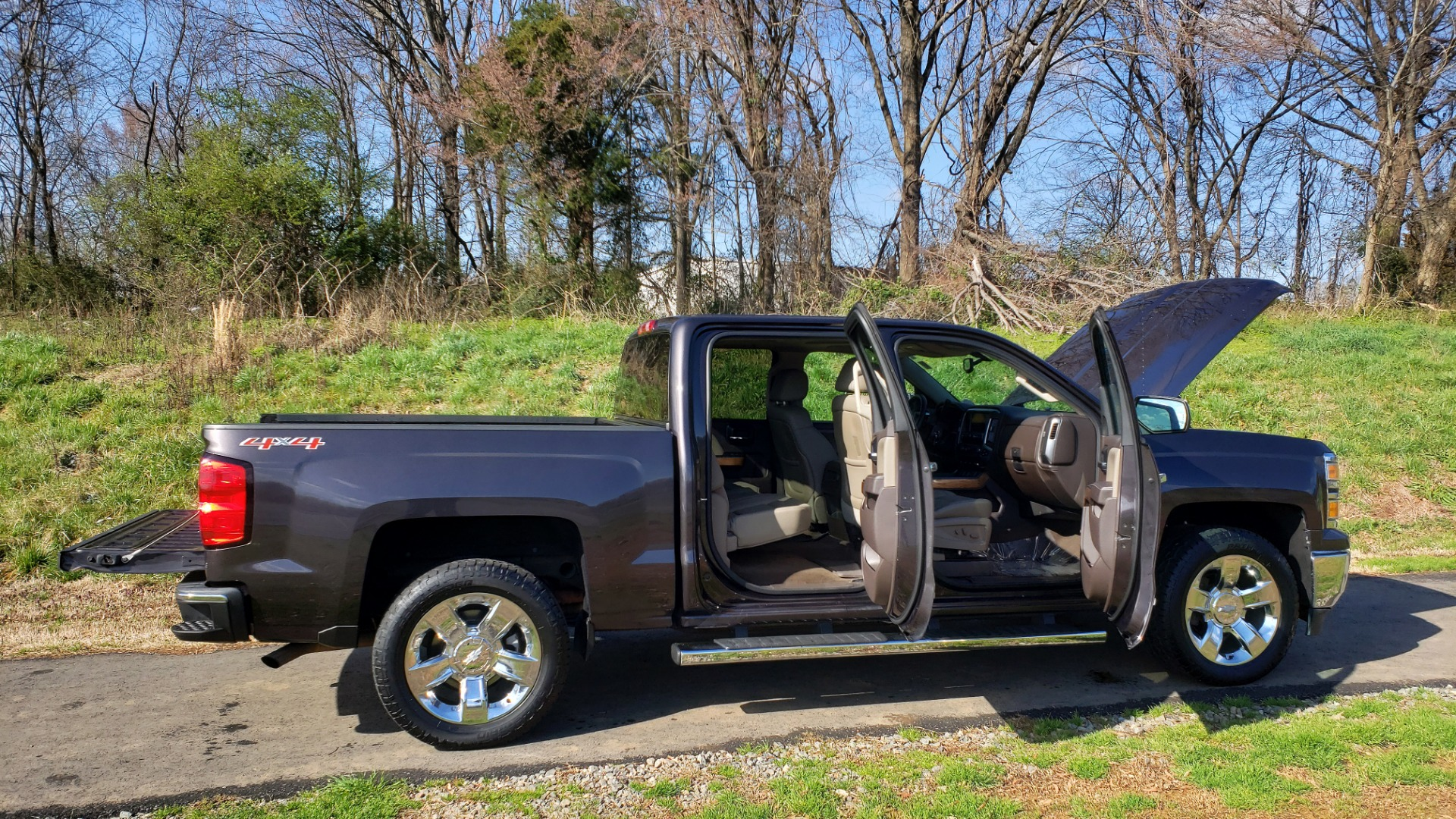 Used 2014 Chevrolet SILVERADO 1500 LTZ 4WD 1LZ / NAV / SUNROOF / REARVIEW / HITCH for sale Sold at Formula Imports in Charlotte NC 28227 17