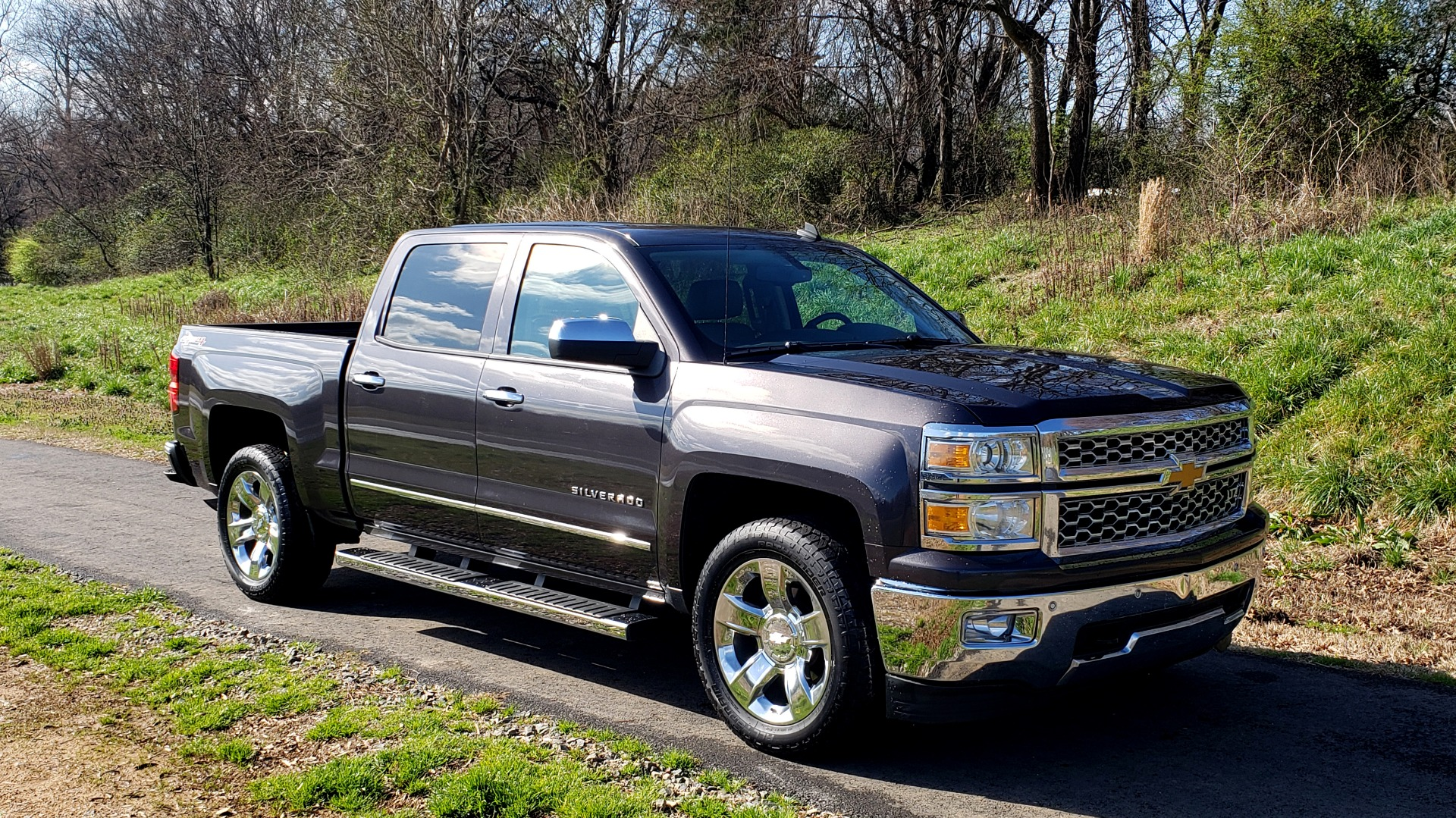Used 2014 Chevrolet SILVERADO 1500 LTZ 4WD 1LZ / NAV / SUNROOF / REARVIEW / HITCH for sale Sold at Formula Imports in Charlotte NC 28227 4