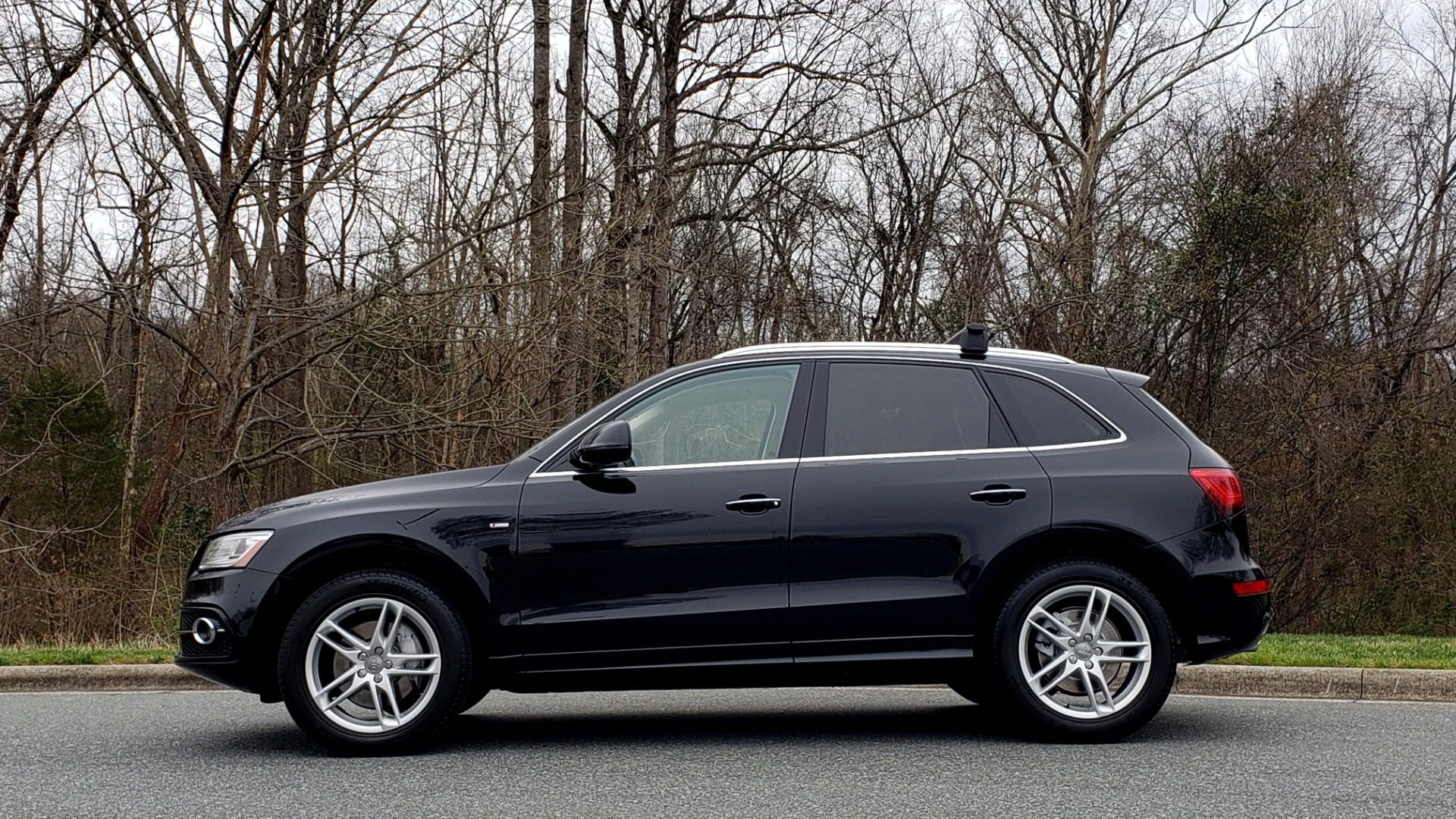 Used 2016 Audi Q5 PREMIUM PLUS / AWD / PANO-ROOF / HEATED SEATS for sale Sold at Formula Imports in Charlotte NC 28227 2