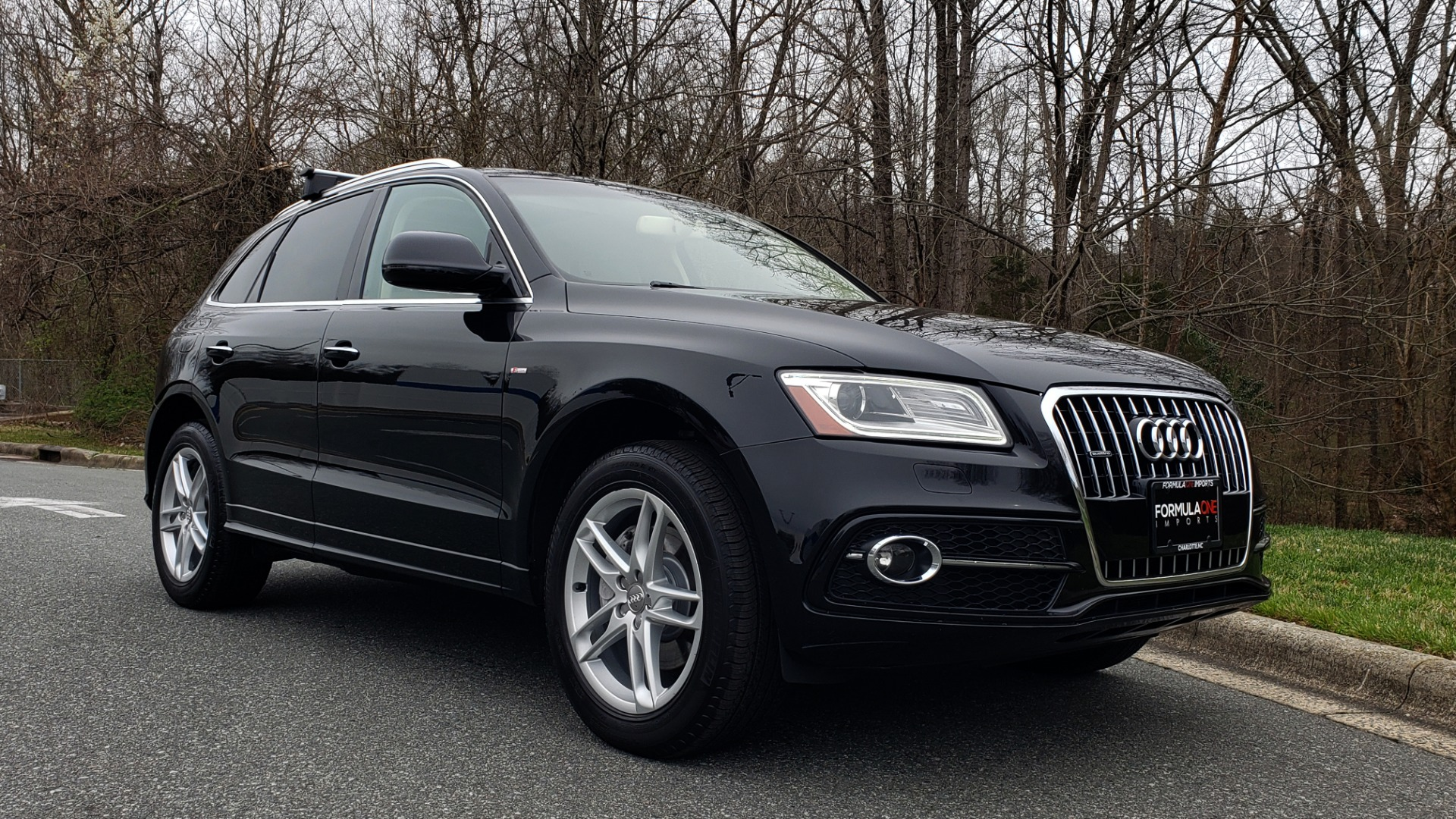 Used 2016 Audi Q5 PREMIUM PLUS / AWD / PANO-ROOF / HEATED SEATS for sale Sold at Formula Imports in Charlotte NC 28227 4