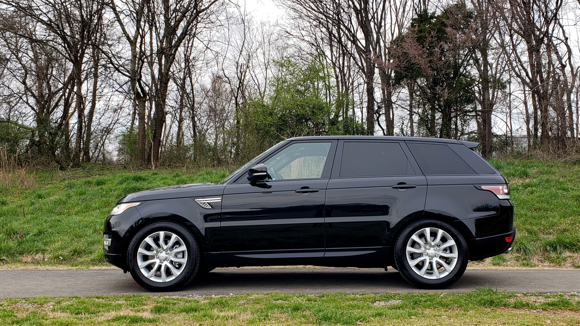 Used 2016 Land Rover RANGE ROVER SPORT V6 HSE 4WD / NAV / SUNROOF / HTD STS / REARVIEW for sale Sold at Formula Imports in Charlotte NC 28227 2
