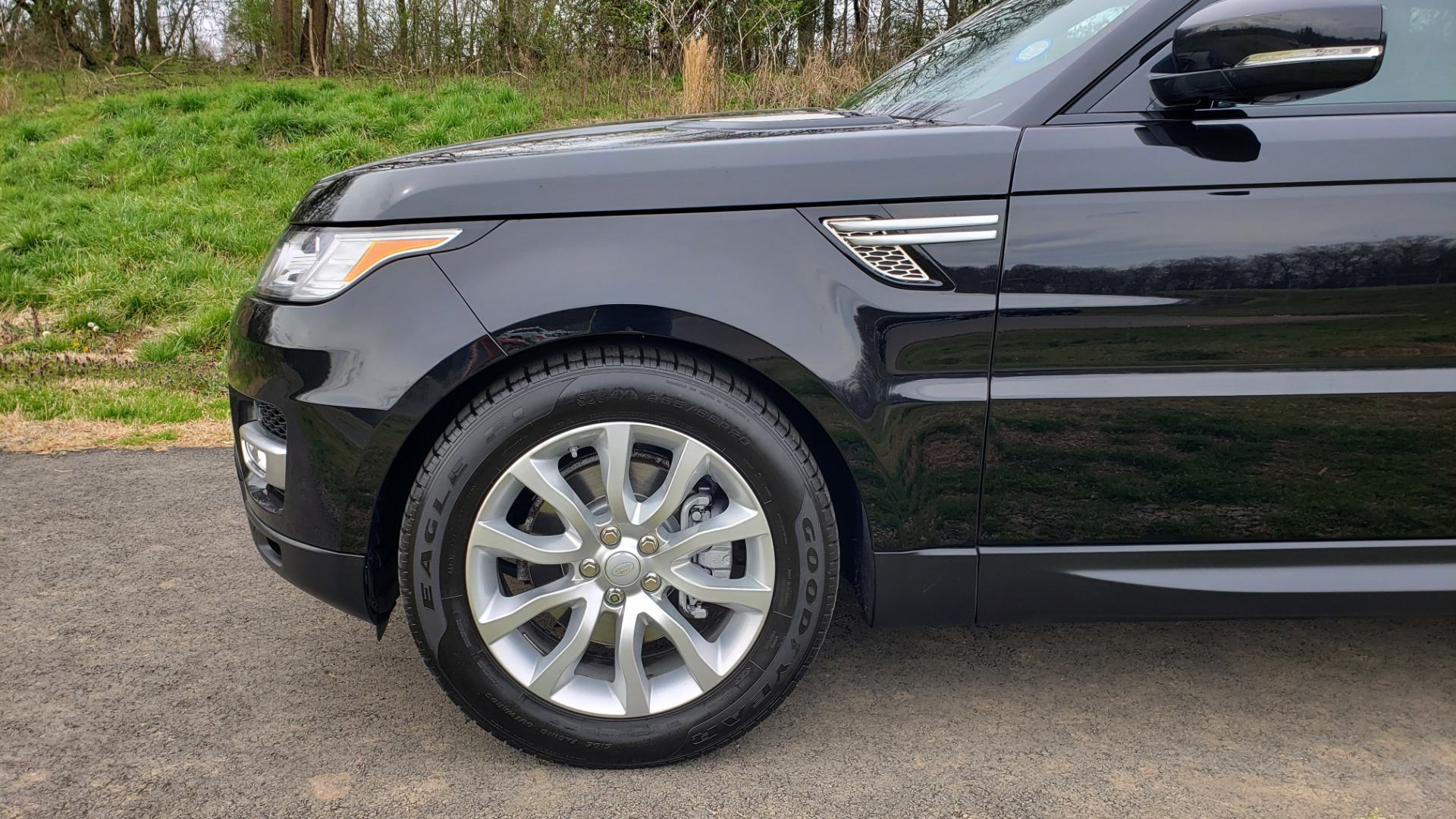 Used 2016 Land Rover RANGE ROVER SPORT V6 HSE 4WD / NAV / SUNROOF / HTD STS / REARVIEW for sale Sold at Formula Imports in Charlotte NC 28227 9