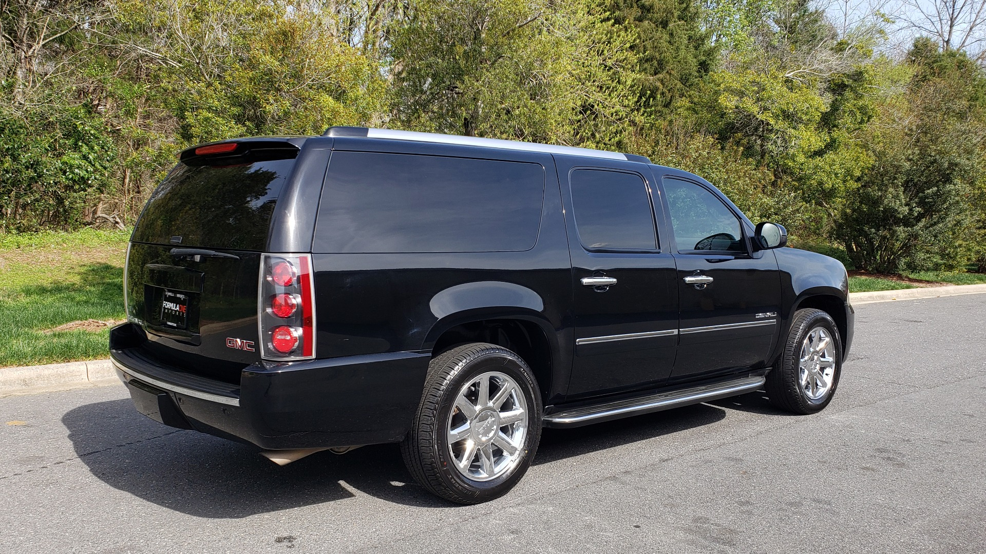 Used 2012 GMC YUKON XL DENALI AWD / NAV / SUN & ENT PKG / SUNROOF / REARVIEW / 3-ROW for sale Sold at Formula Imports in Charlotte NC 28227 6