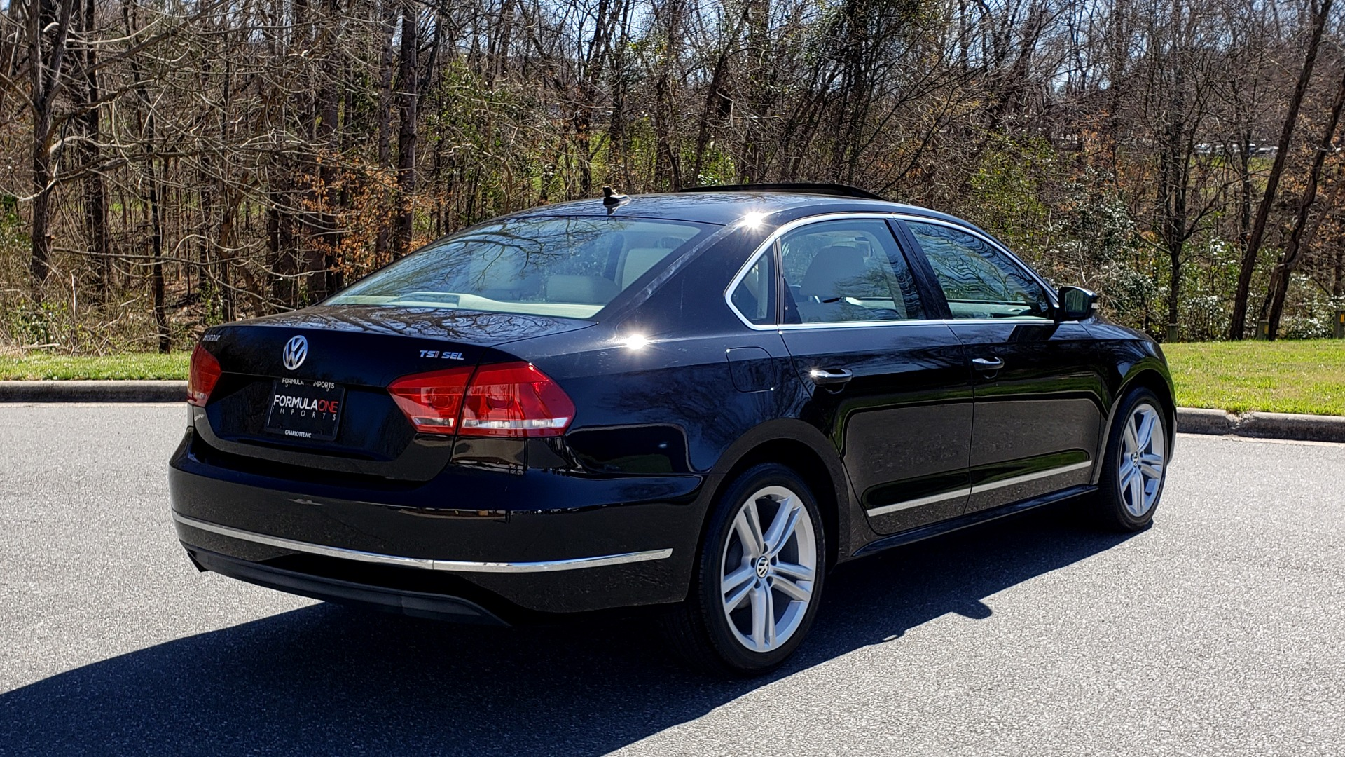 Used 2014 Volkswagen PASSAT SEL PREMIUM / NAV / SUNROOF / REARVIEW / 6-SPD AUTO for sale Sold at Formula Imports in Charlotte NC 28227 6