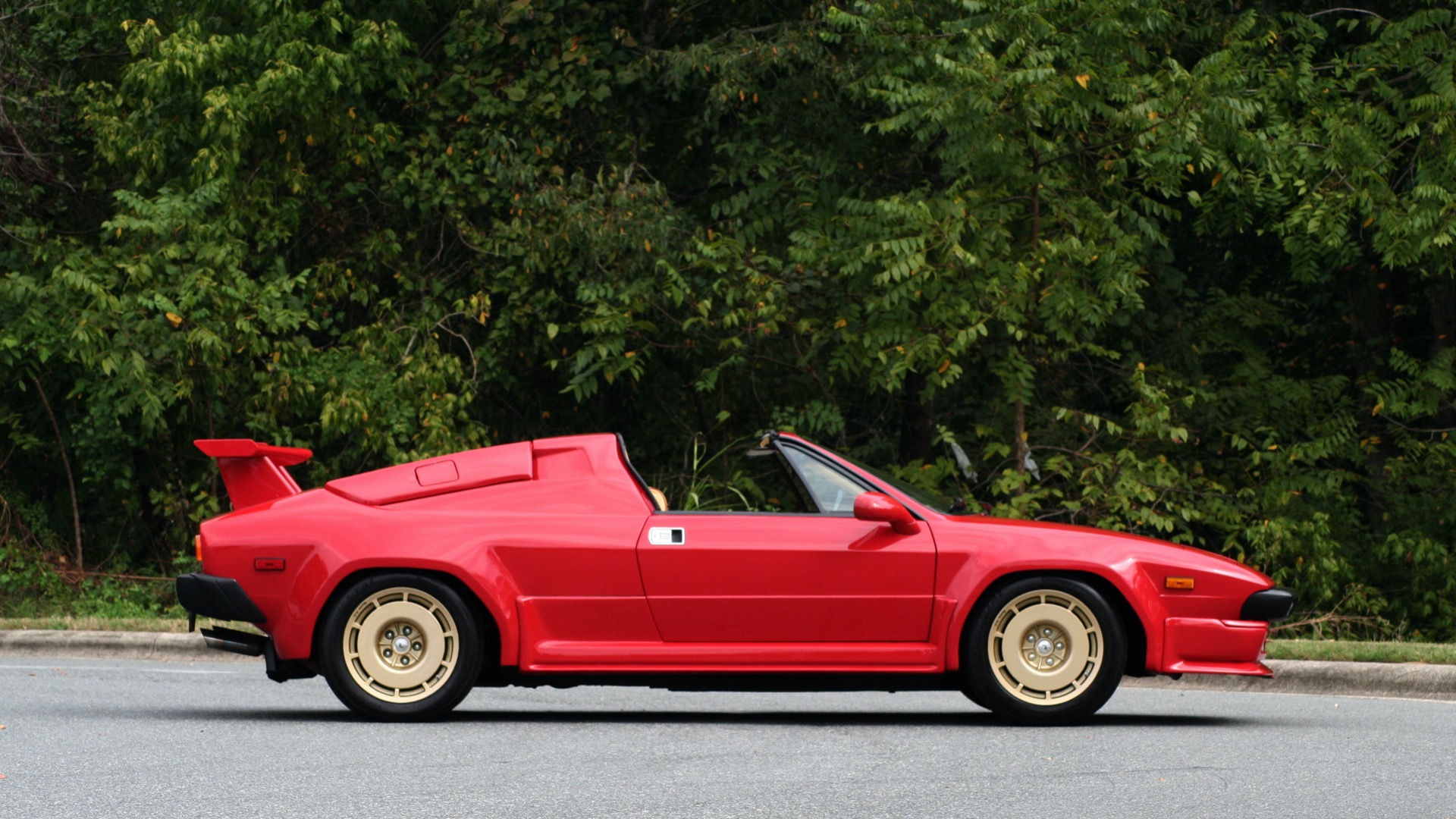 Used 1988 Lamborghini JALPA 3.5 / 5-SPD MANUAL / LOW MILES / EXCELLENT CONDITION for sale Sold at Formula Imports in Charlotte NC 28227 12