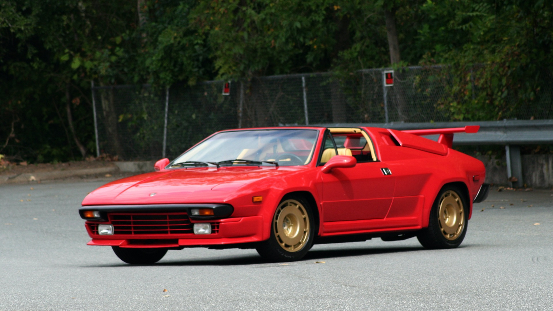 Used 1988 Lamborghini Jalpa 3.5 / 5-Speed Man / Low Miles / Excellent Condition for sale $108,995 at Formula Imports in Charlotte NC 28227 15