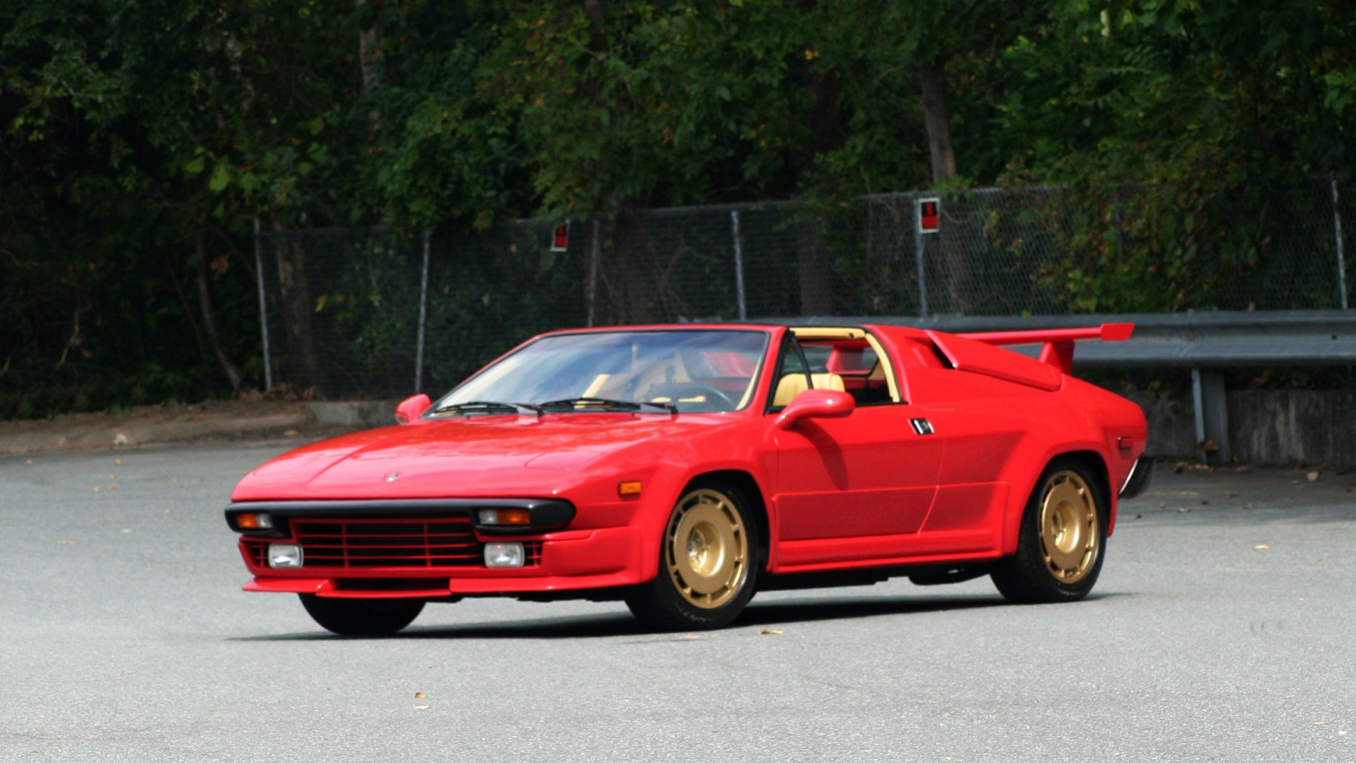 Used 1988 Lamborghini Jalpa 3.5 / 5-Speed Man / Low Miles / Excellent Condition for sale $108,995 at Formula Imports in Charlotte NC 28227 16