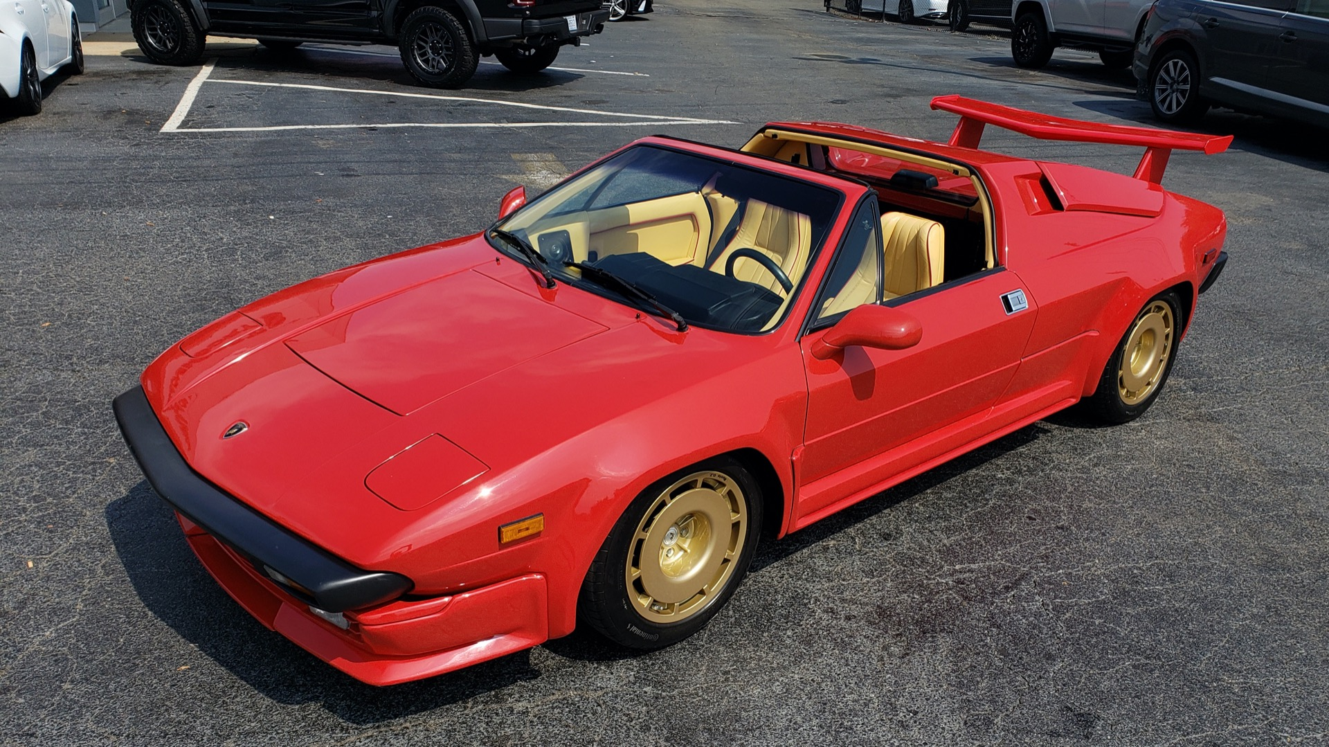 Used 1988 Lamborghini Jalpa 3.5 / 5-Speed Man / Low Miles / Excellent Condition for sale $108,995 at Formula Imports in Charlotte NC 28227 19