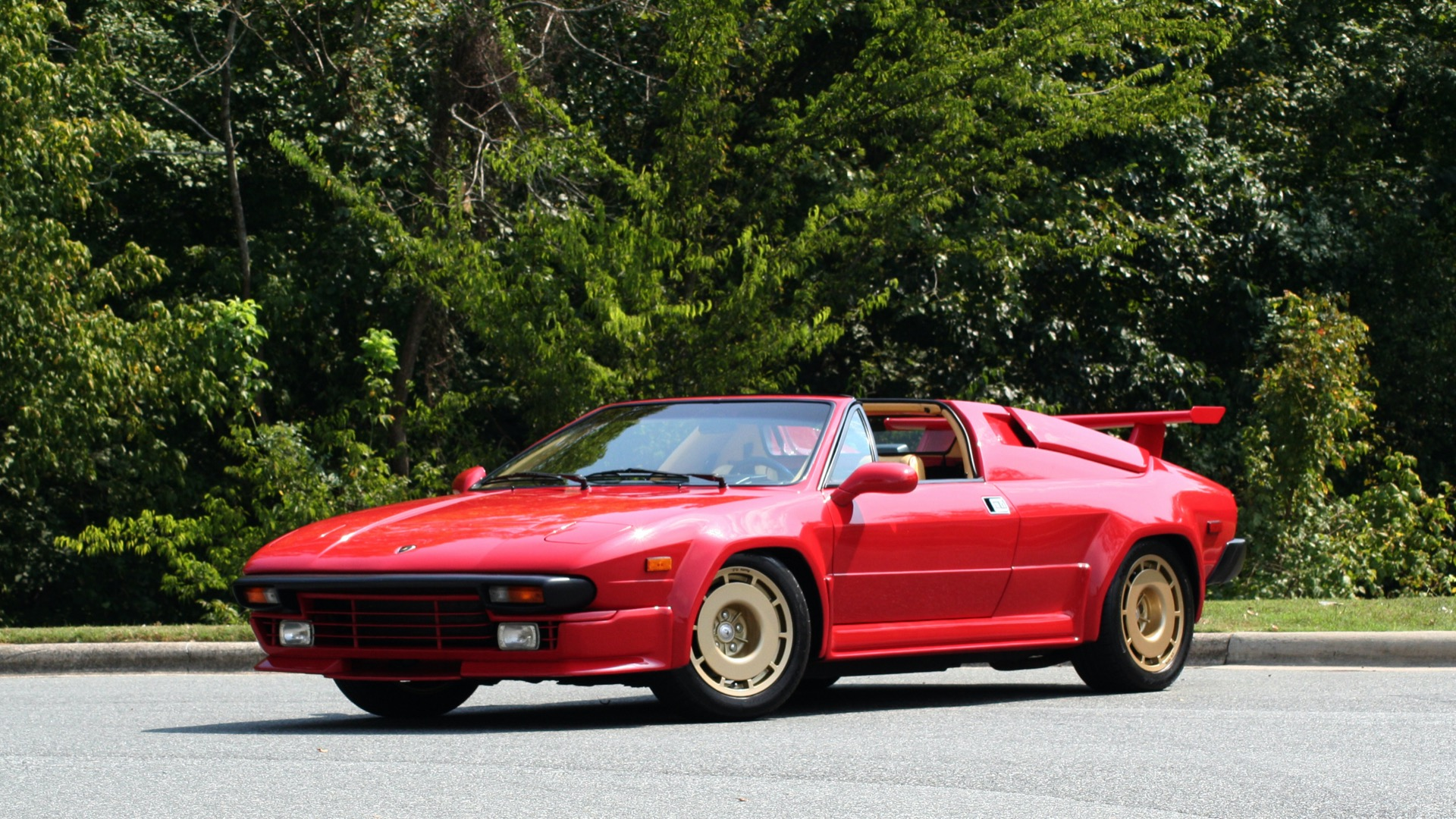 Used 1988 Lamborghini Jalpa 3.5 / 5-Speed Man / Low Miles / Excellent Condition for sale $108,995 at Formula Imports in Charlotte NC 28227 2