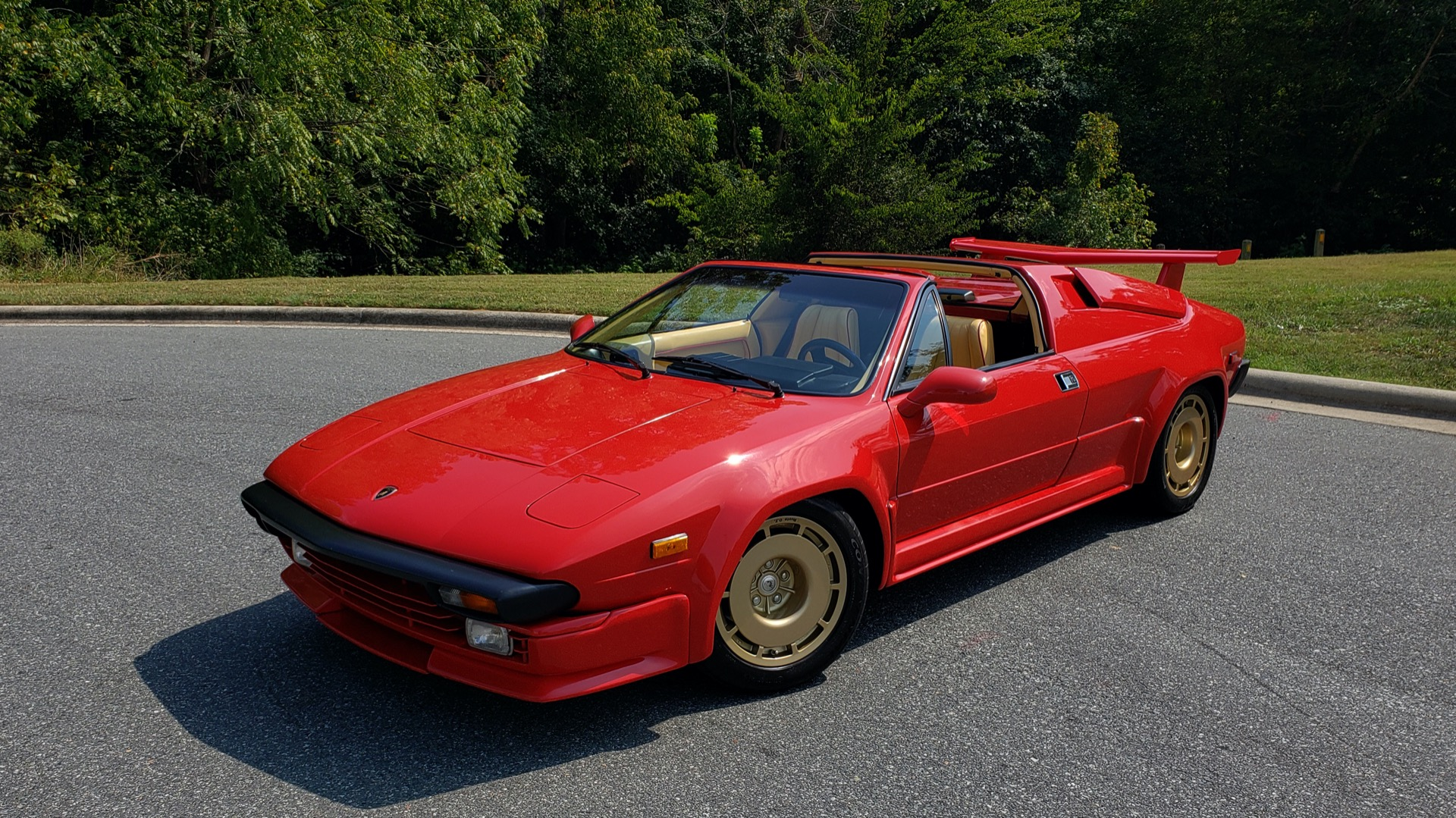 Used 1988 Lamborghini Jalpa 3.5 / 5-Speed Man / Low Miles / Excellent Condition for sale $108,995 at Formula Imports in Charlotte NC 28227 21