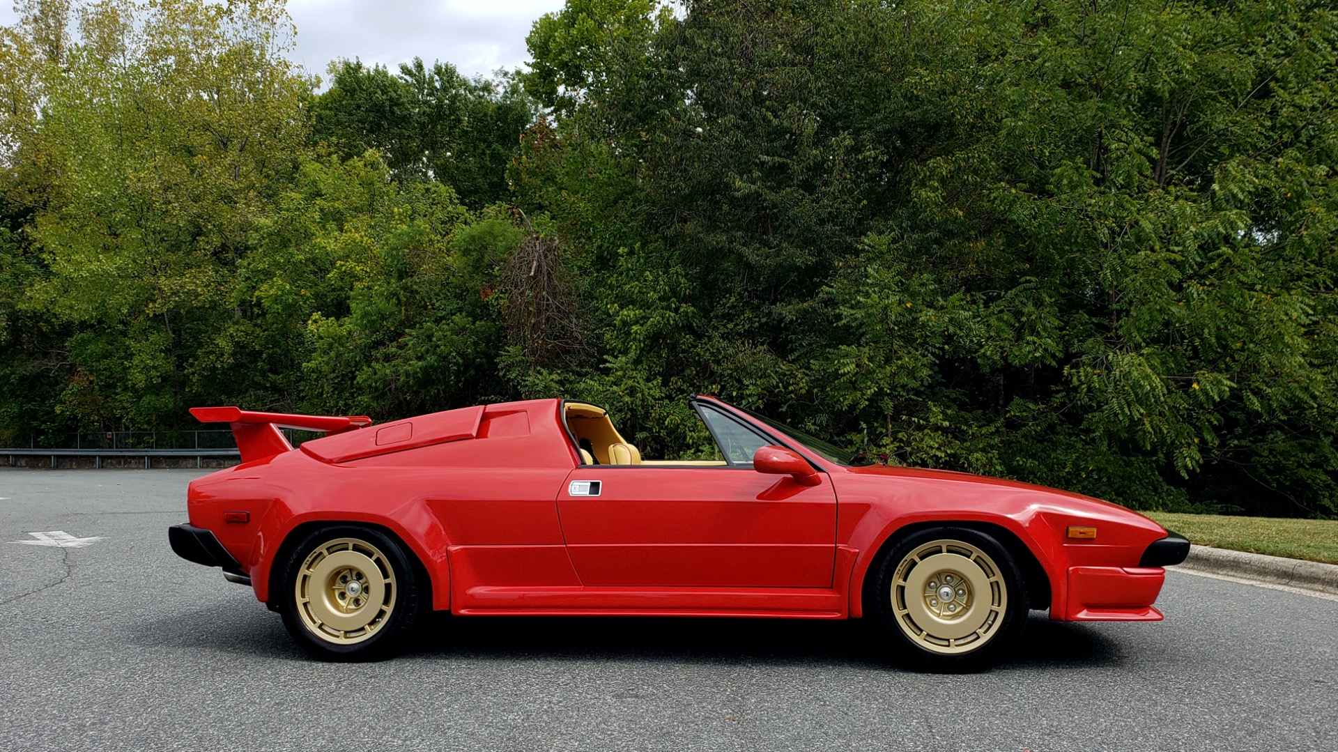 Used 1988 Lamborghini Jalpa 3.5 / 5-Speed Man / Low Miles / Excellent Condition for sale $108,995 at Formula Imports in Charlotte NC 28227 23