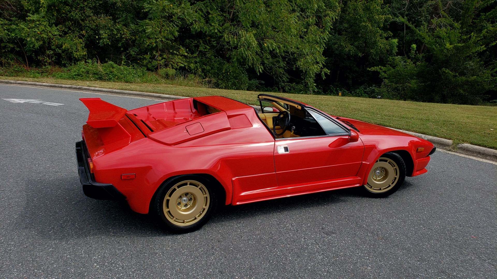 Used 1988 Lamborghini Jalpa 3.5 / 5-Speed Man / Low Miles / Excellent Condition for sale $108,995 at Formula Imports in Charlotte NC 28227 28