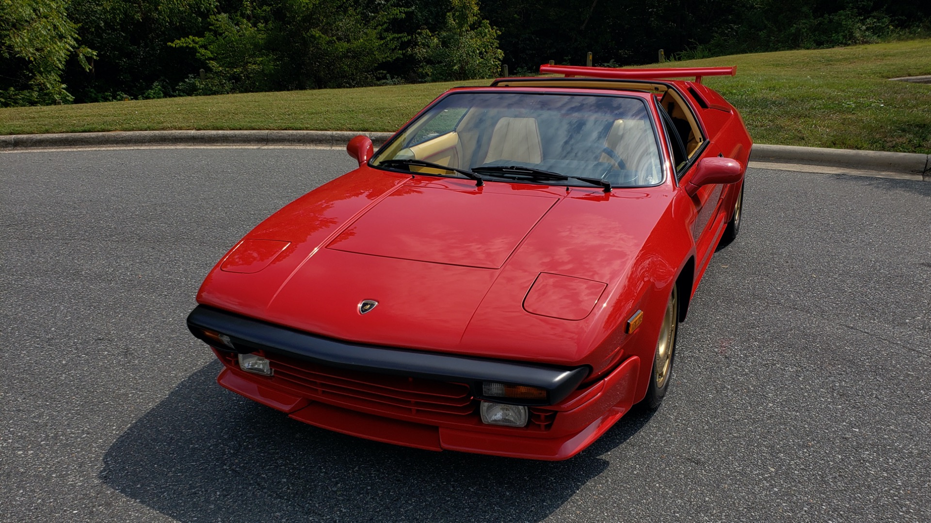 Used 1988 Lamborghini Jalpa 3.5 / 5-Speed Man / Low Miles / Excellent Condition for sale $108,995 at Formula Imports in Charlotte NC 28227 31