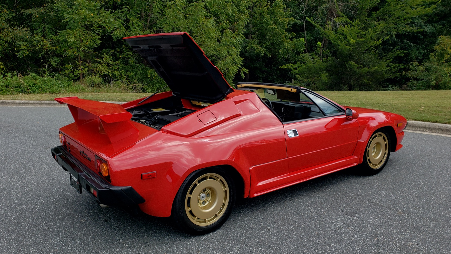 Used 1988 Lamborghini JALPA 3.5 / 5-SPD MANUAL / LOW MILES / EXCELLENT CONDITION for sale Sold at Formula Imports in Charlotte NC 28227 44