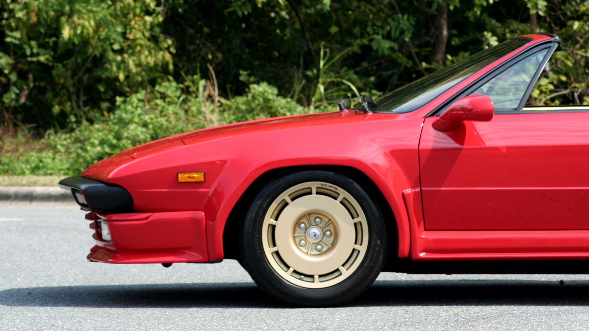 Used 1988 Lamborghini Jalpa 3.5 / 5-Speed Man / Low Miles / Excellent Condition for sale $108,995 at Formula Imports in Charlotte NC 28227 5