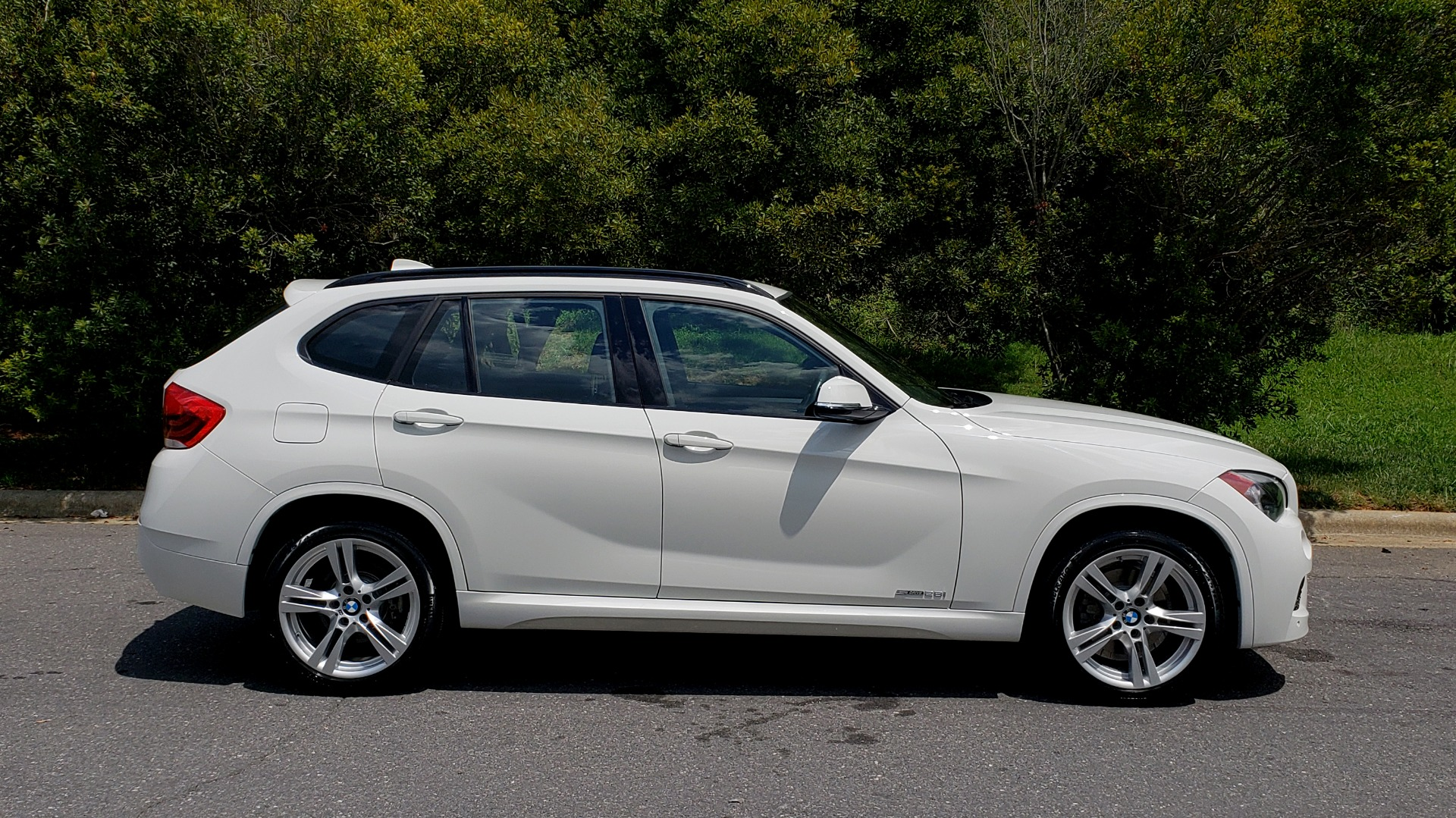 Used 2015 BMW X1 SDRIVE28I M-SPORT ULTIMATE / NAV / SUNROOF / REARVIEW for sale Sold at Formula Imports in Charlotte NC 28227 4
