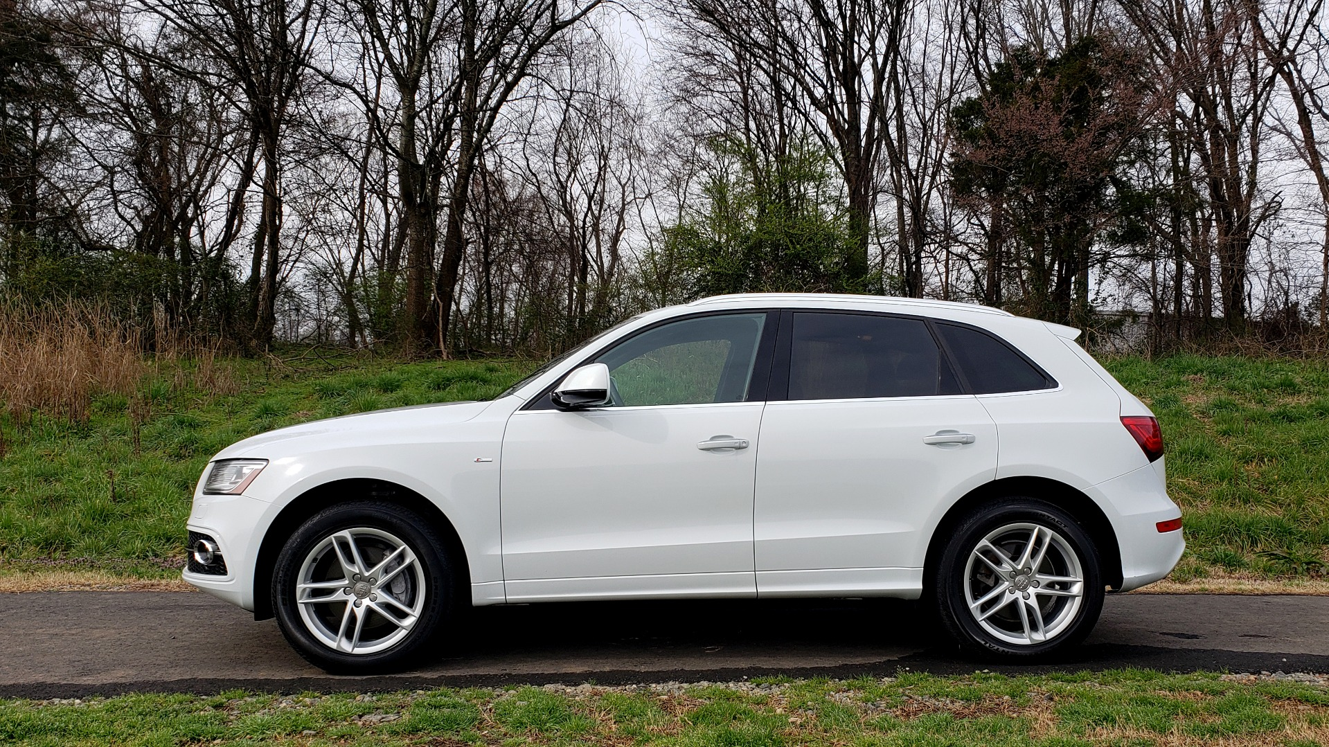 Used 2017 Audi Q5 PREMIUM PLUS / TECH / NAV / SUNROOF / REARVIEW for sale Sold at Formula Imports in Charlotte NC 28227 2