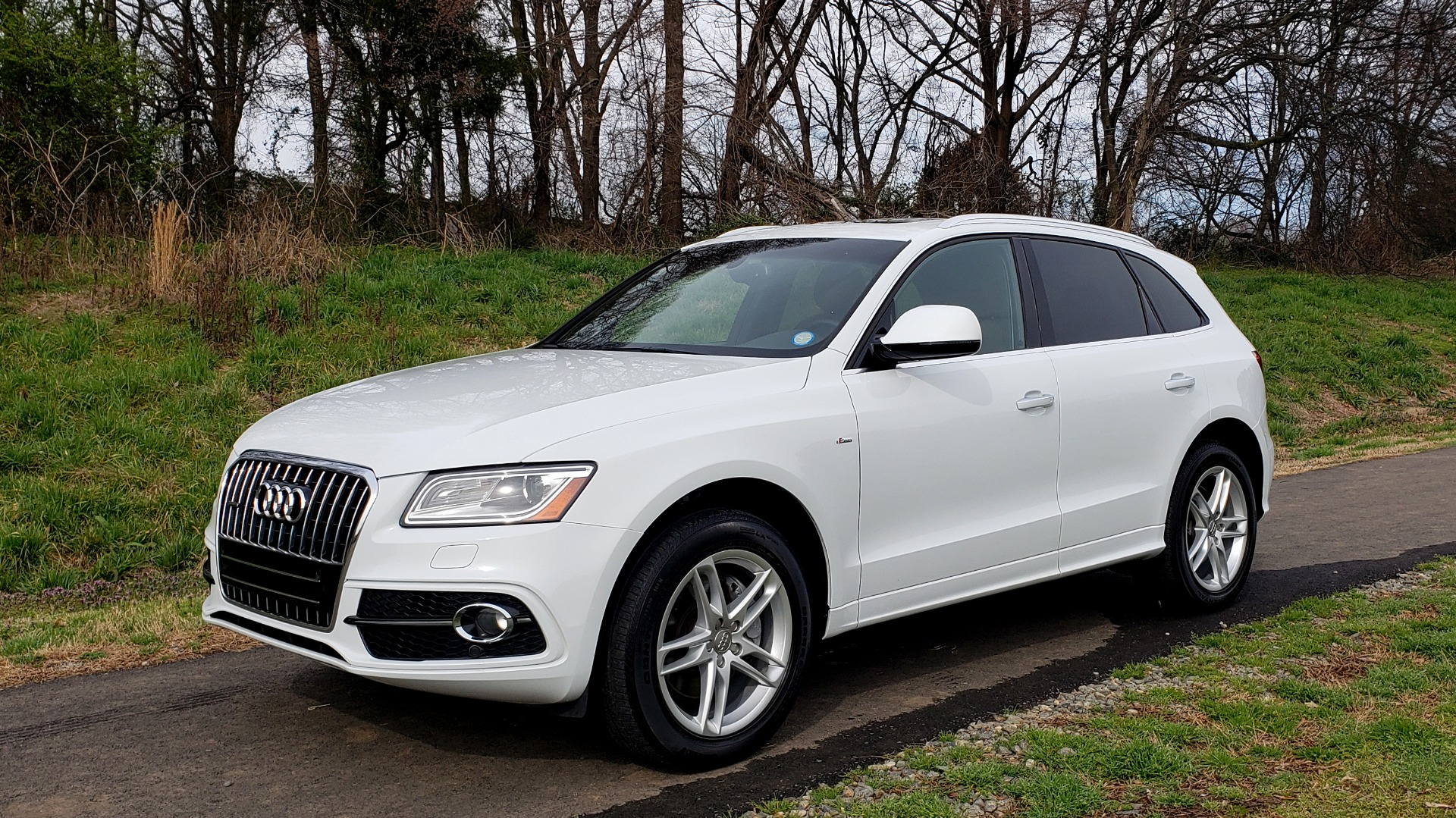 Used 2017 Audi Q5 PREMIUM PLUS / TECH / NAV / SUNROOF / REARVIEW for sale Sold at Formula Imports in Charlotte NC 28227 1